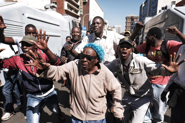 Zimbabwe's ruling ZANU-PF party wins control of parliament