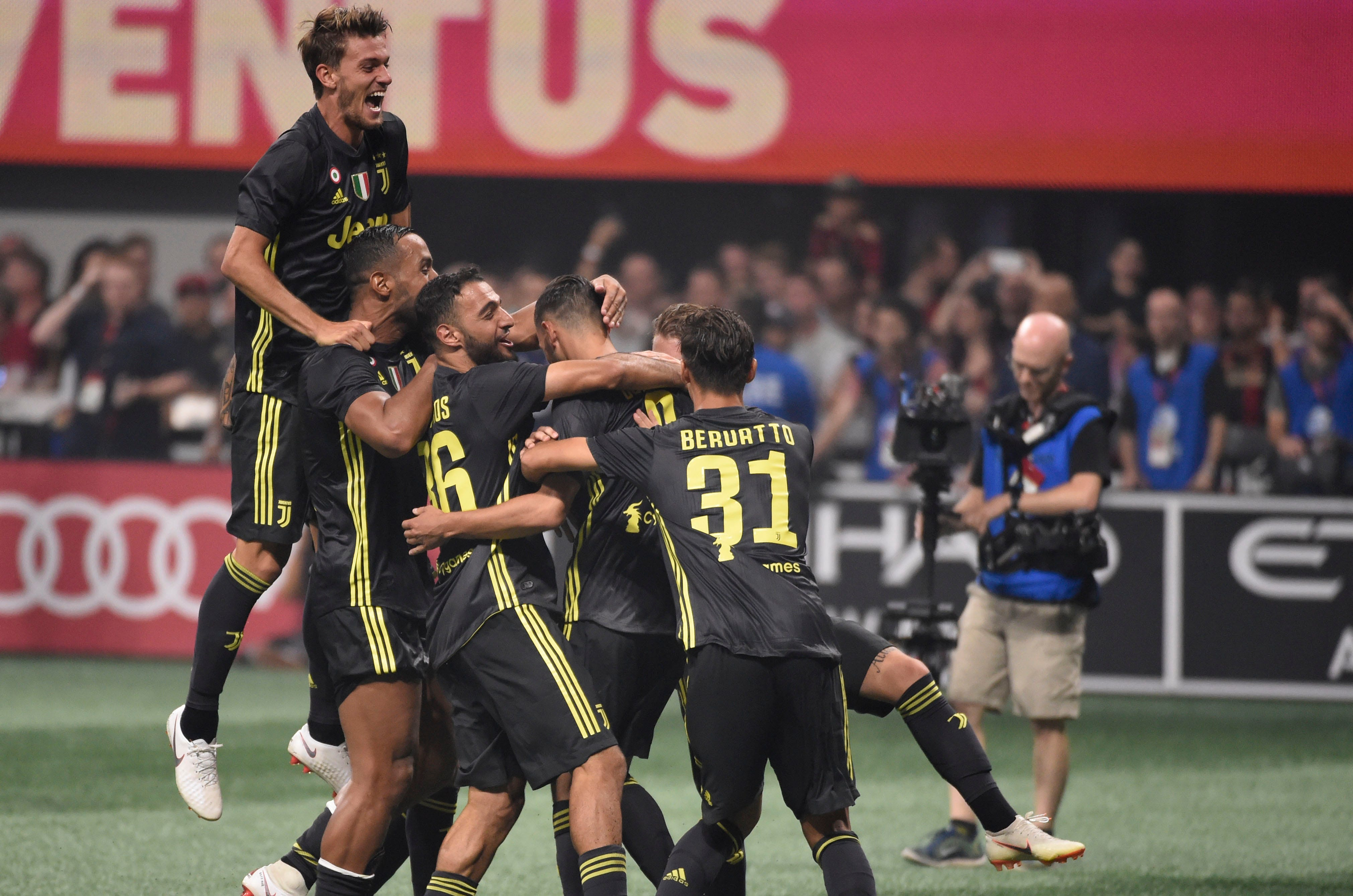 more photos 4098a 70d39 Juventus wins MLS All-Star Game on penalties in front of record crowd  Juventus scored on all its penalty kicks following a 1-1 draw vs. the MLS  All-Stars to ...