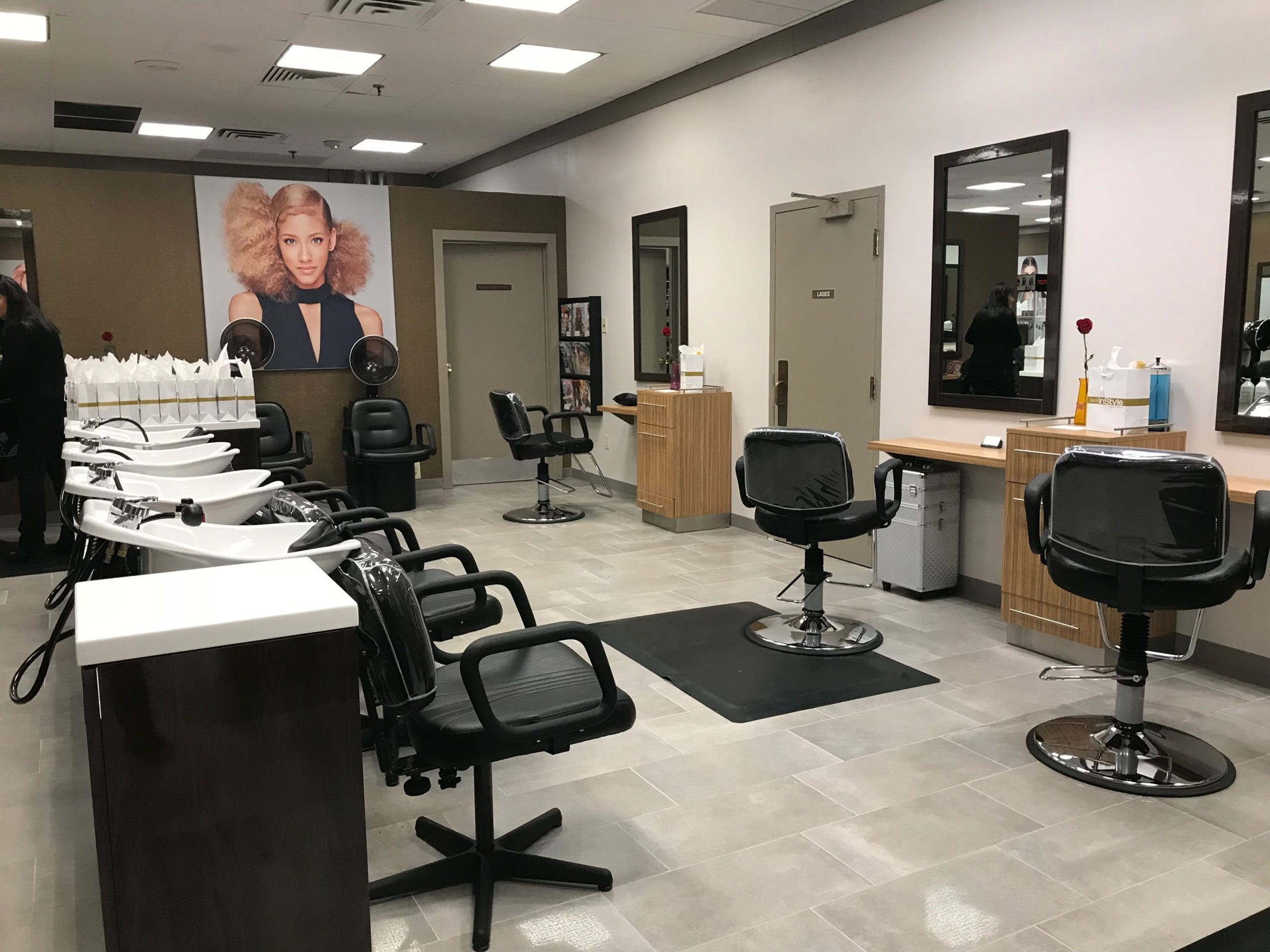 Terrific Photos Jcpenneys The Salon By Instyle Unveiled In Woodbridge Pdpeps Interior Chair Design Pdpepsorg