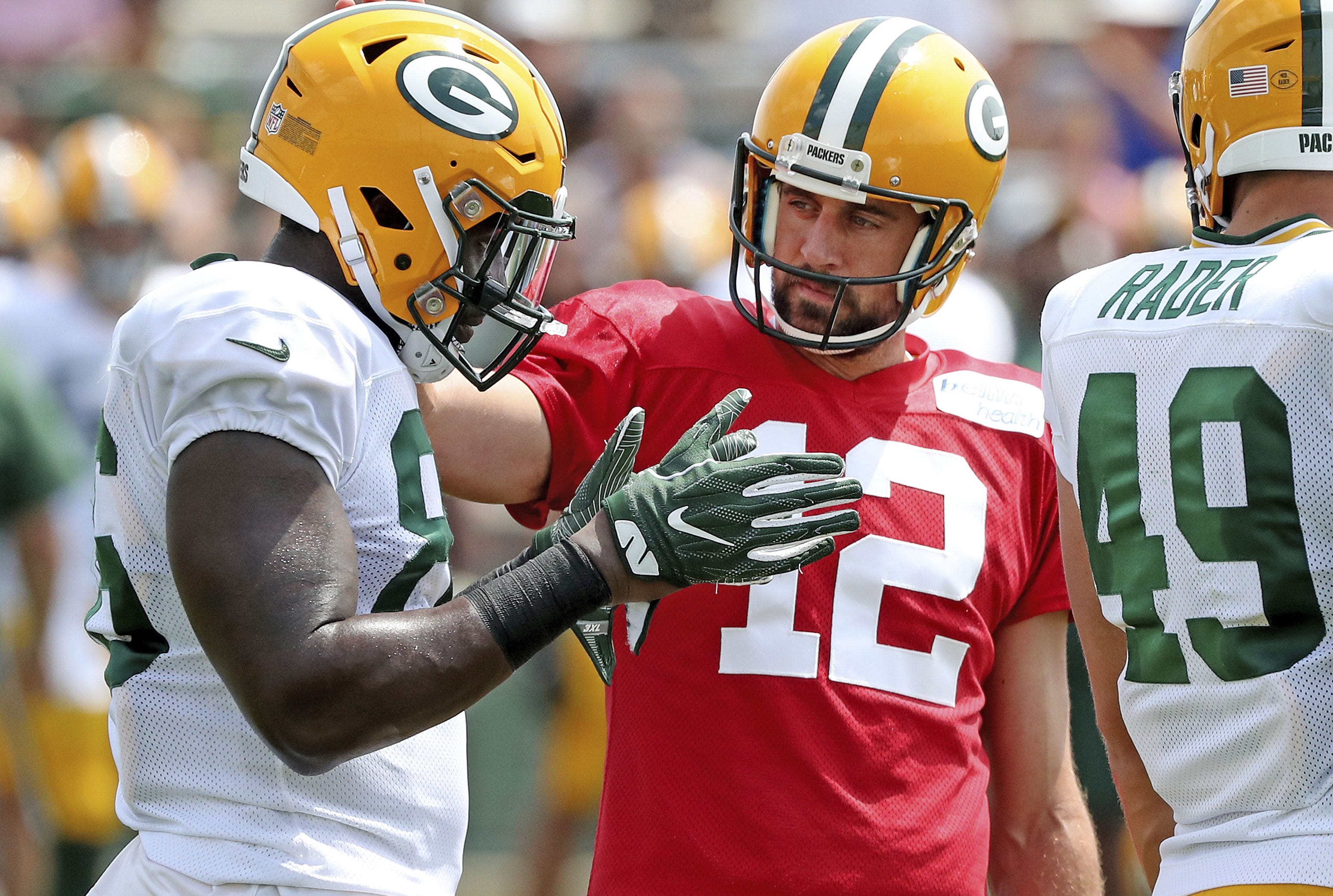 Green Bay Packers LB Ahmad Thomas finds birth parents after
