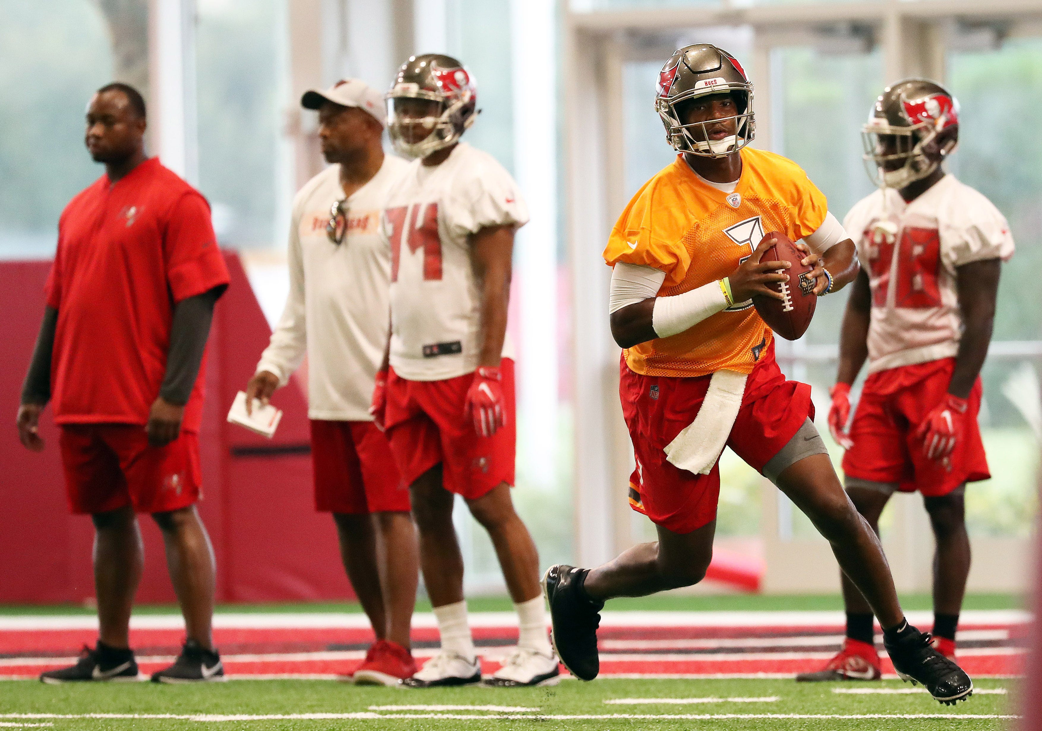 Popularity and low profile? Jameis Winston's training camp far from normal