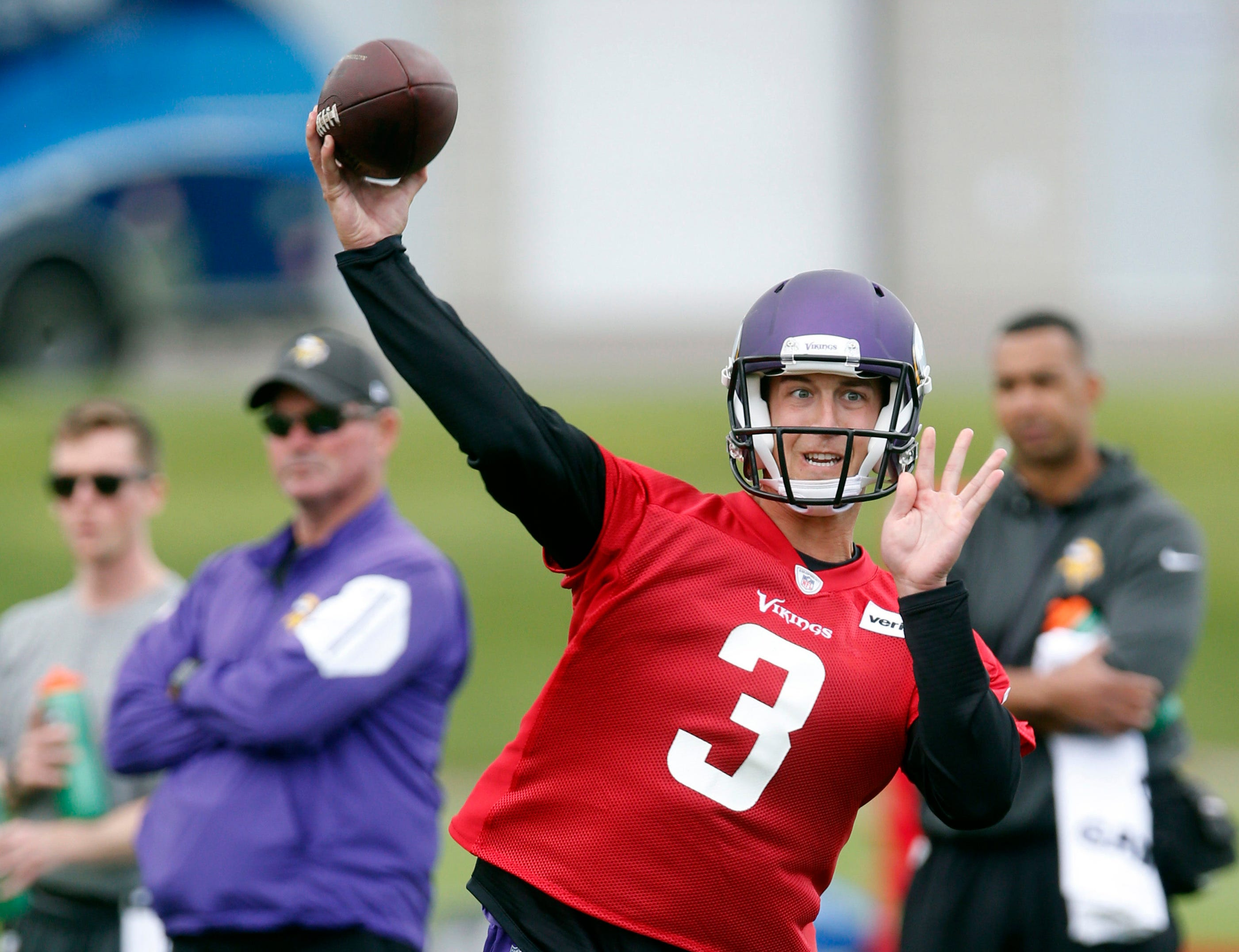 QB Trevor Siemian settling into new role with Vikings