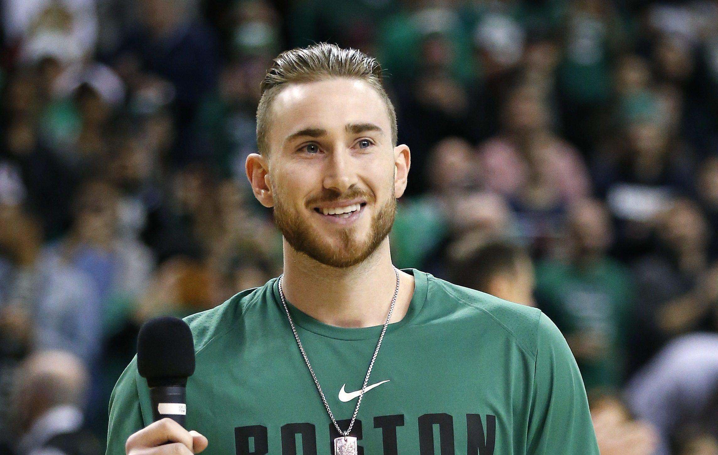 Gordon Hayward asks Celtics fans to chant 'Daddy's always happy'