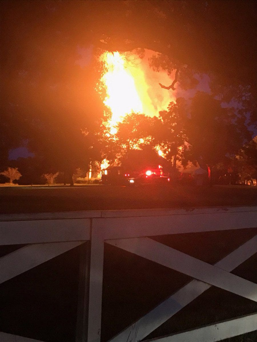 Old Holloway Mansion in Byram destroryed by fire | Clarion Ledger