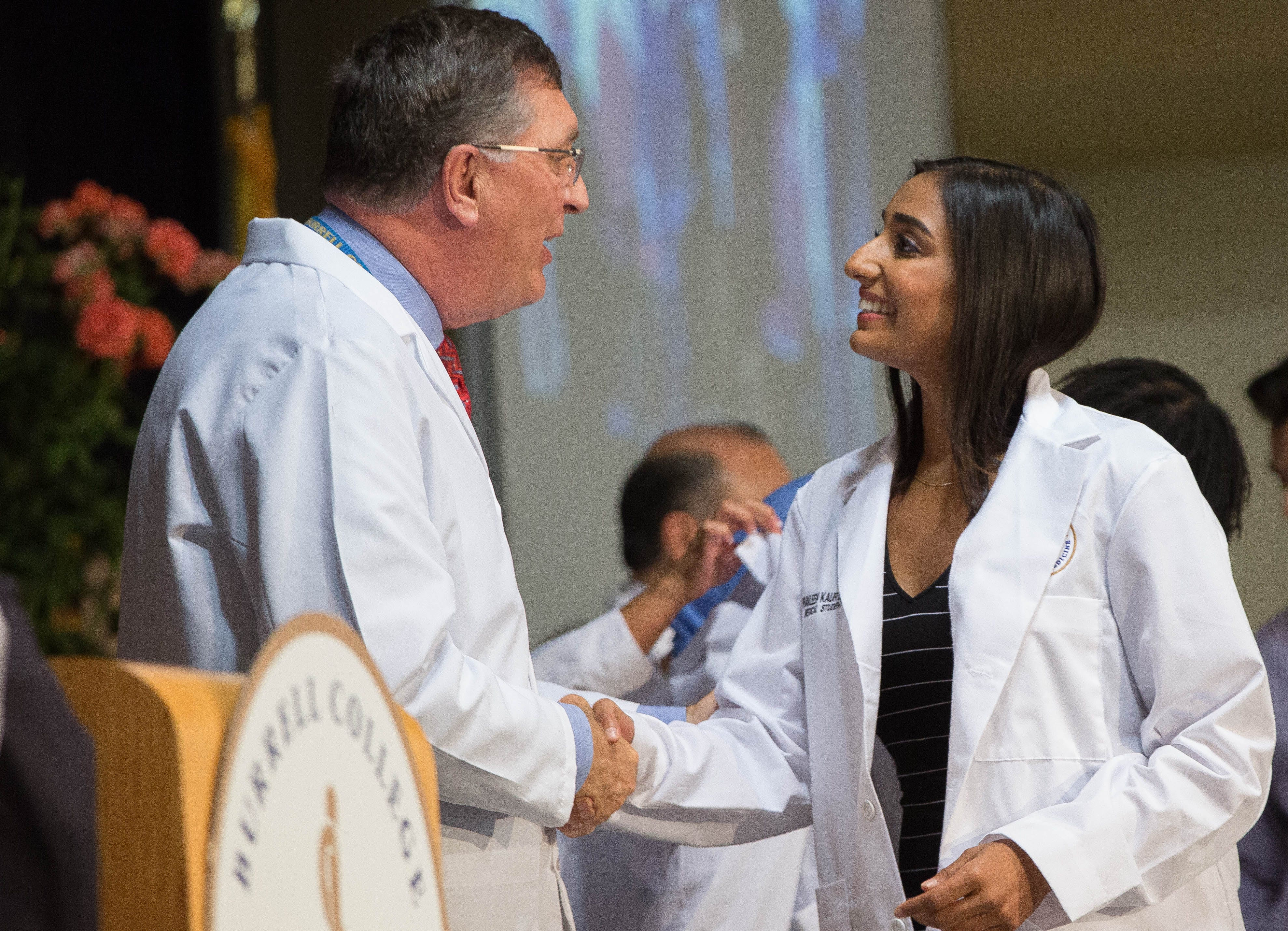 BCOM welcomes 162 first-year students during white coat ceremony | Las Cruces Sun