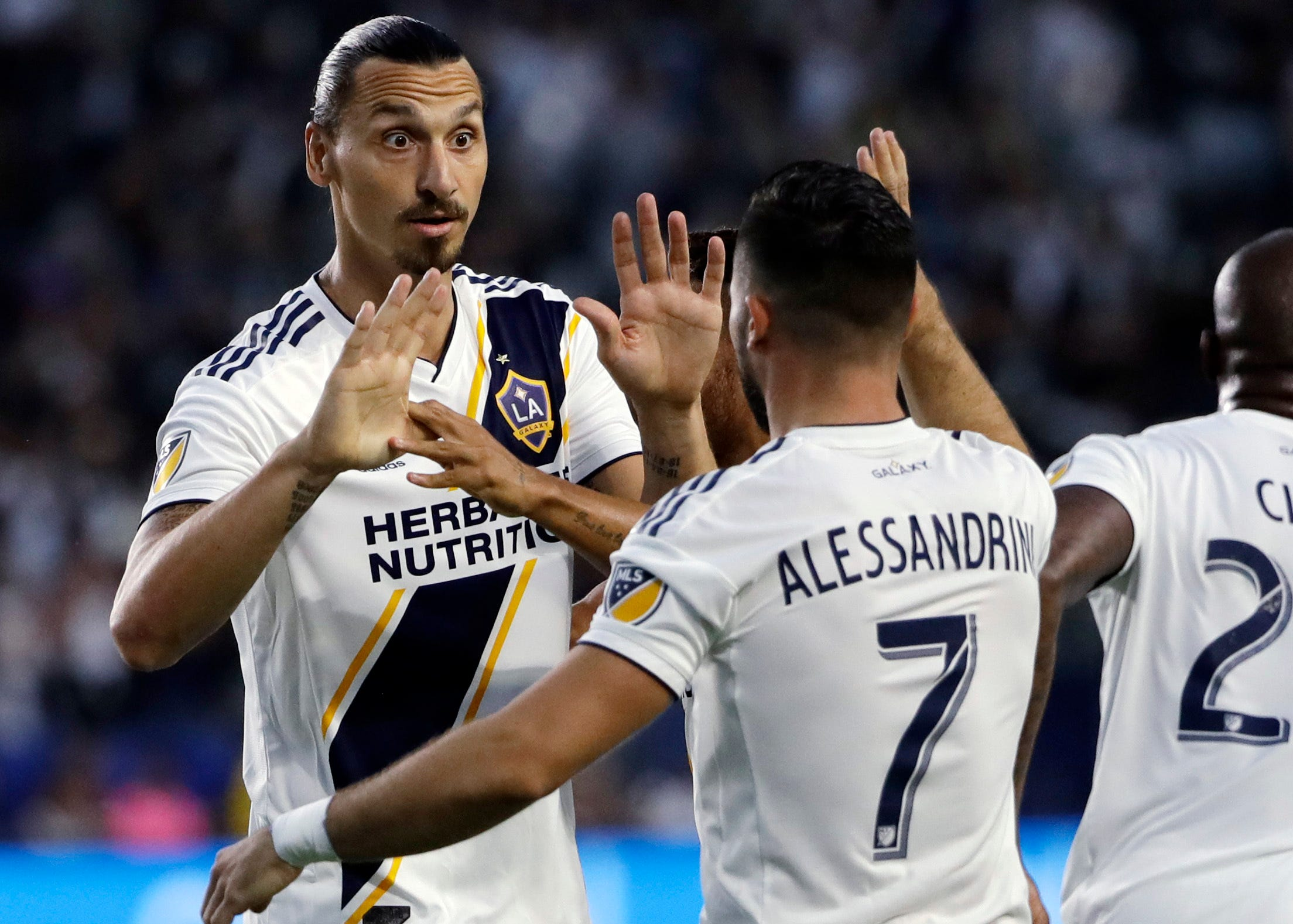 Ibarra's late goal gives Minnesota United 2-2 draw at Galaxy