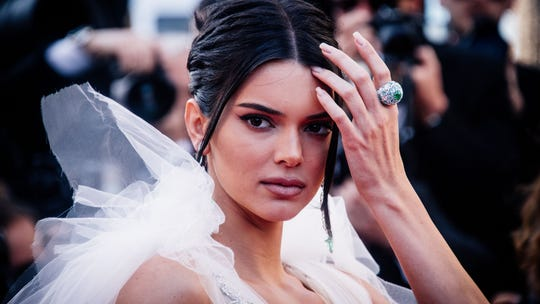 Kendall Jenner's nude photos are leaked, Twitter body-shames her for being too skinny