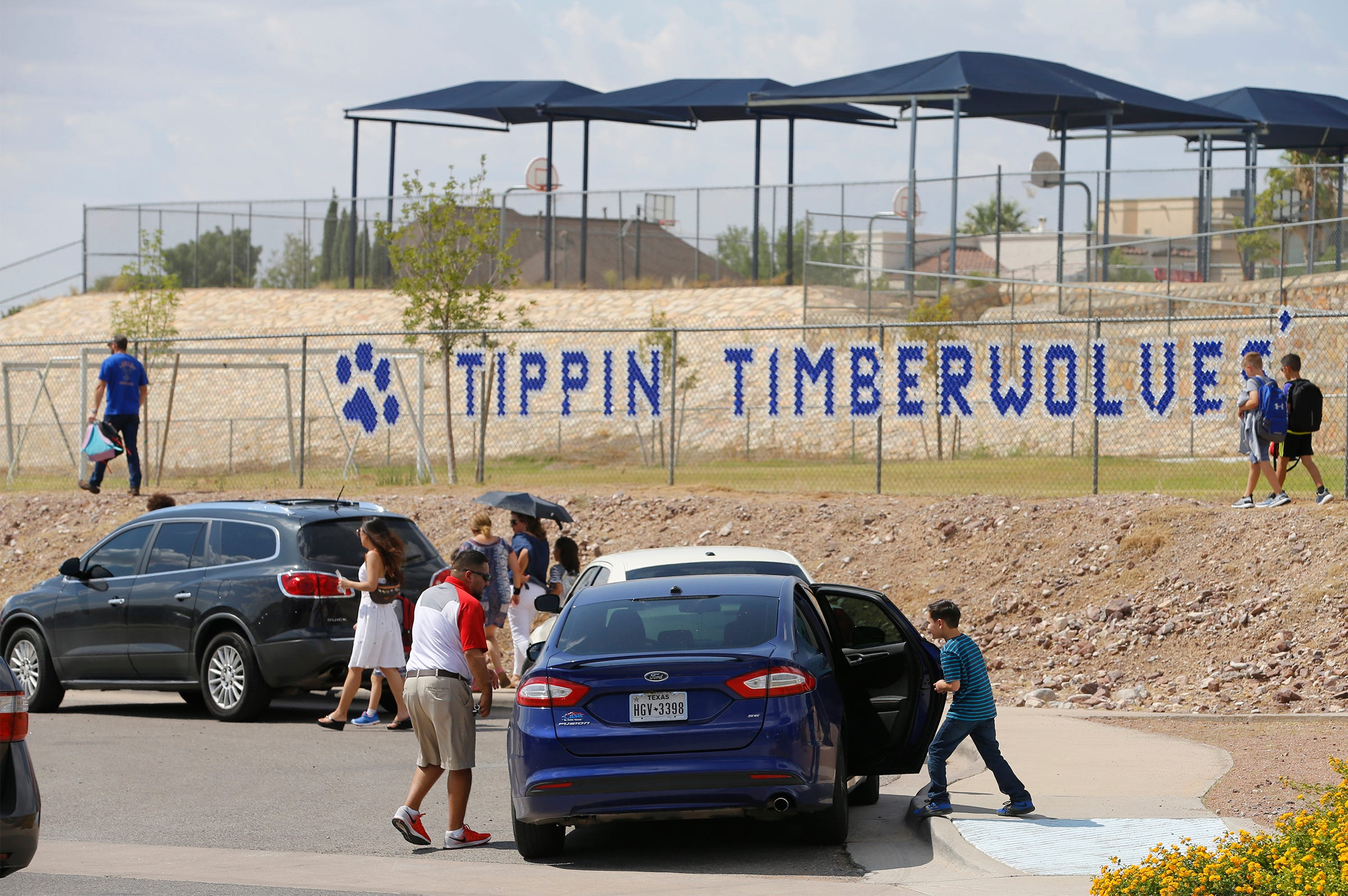 Tippin Elementary accident: 2 of 3 children out of hospital, EPISD corrects name of driver | El Paso Times