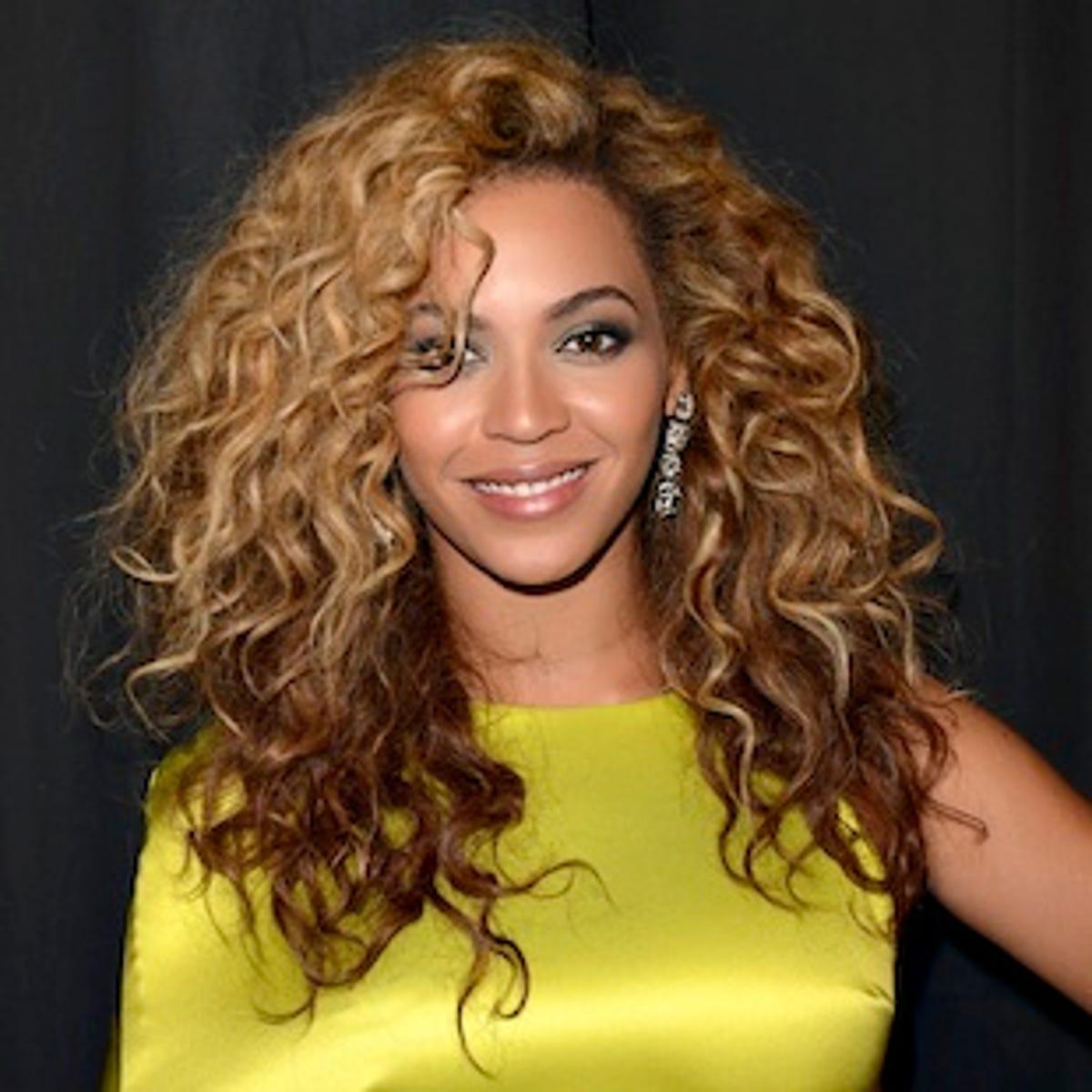 Beyonce channels Toni Braxton in Halloween tribute