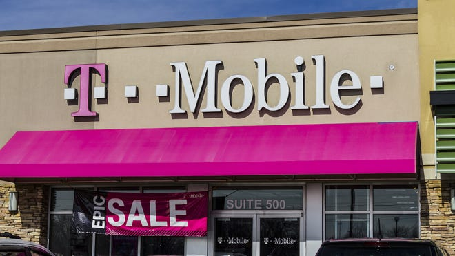 The front of a T-Mobile store.