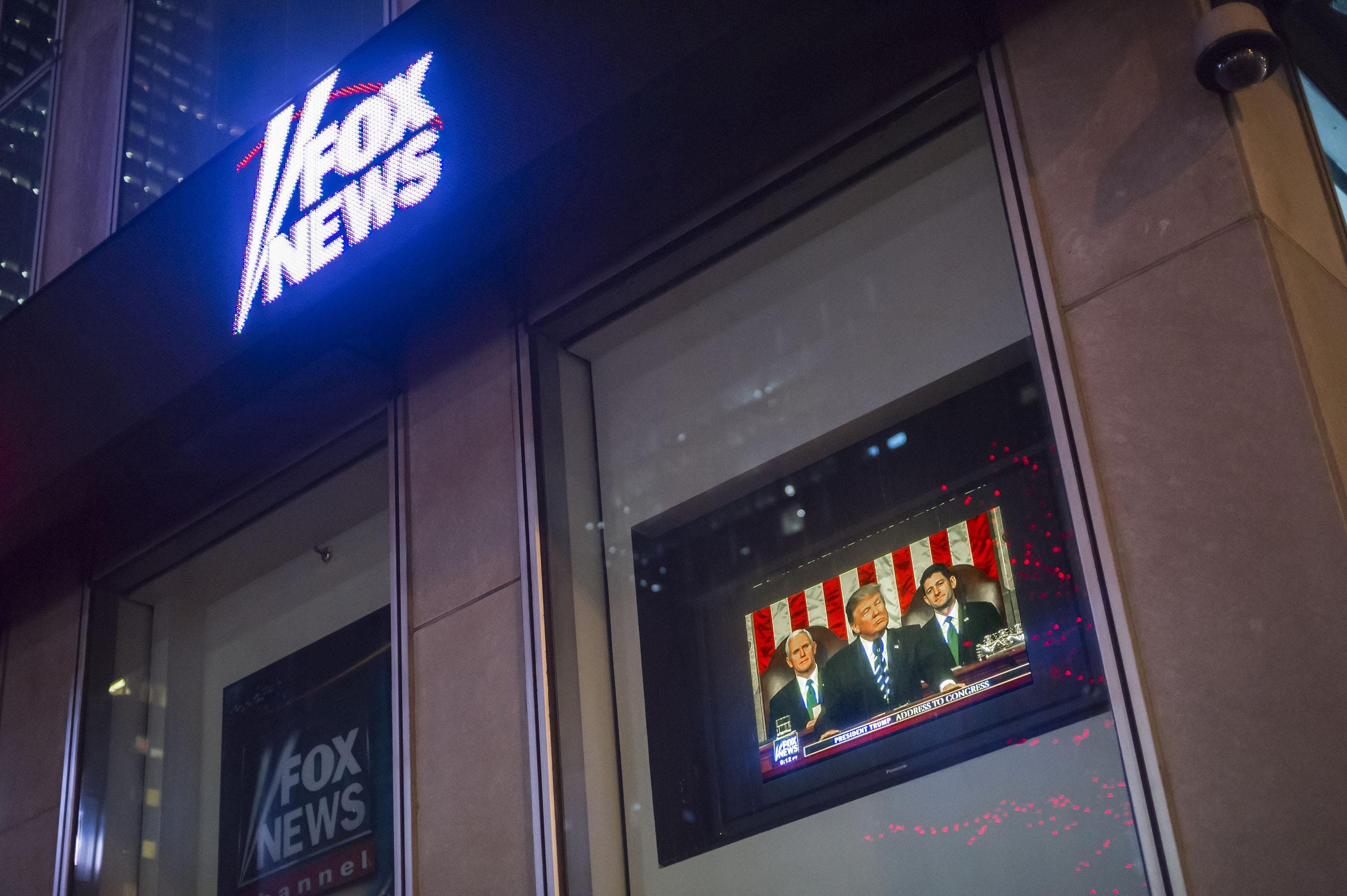 Dominion Voting sues Fox for $1.6B over 2020 election claims 2