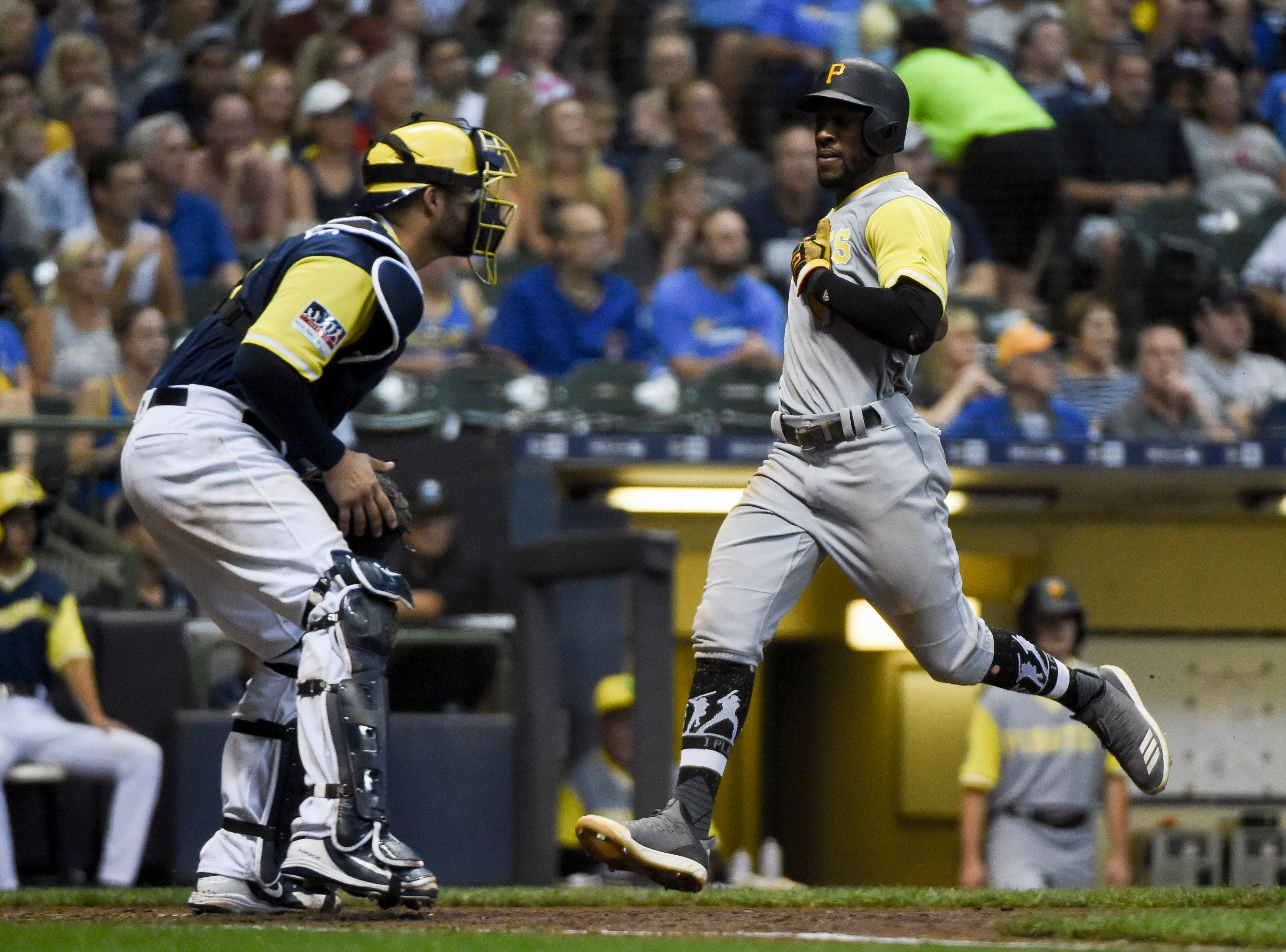 b02e0698f http   www.jsonline.com picture-gallery sports mlb brewers 2018 08 25 ...