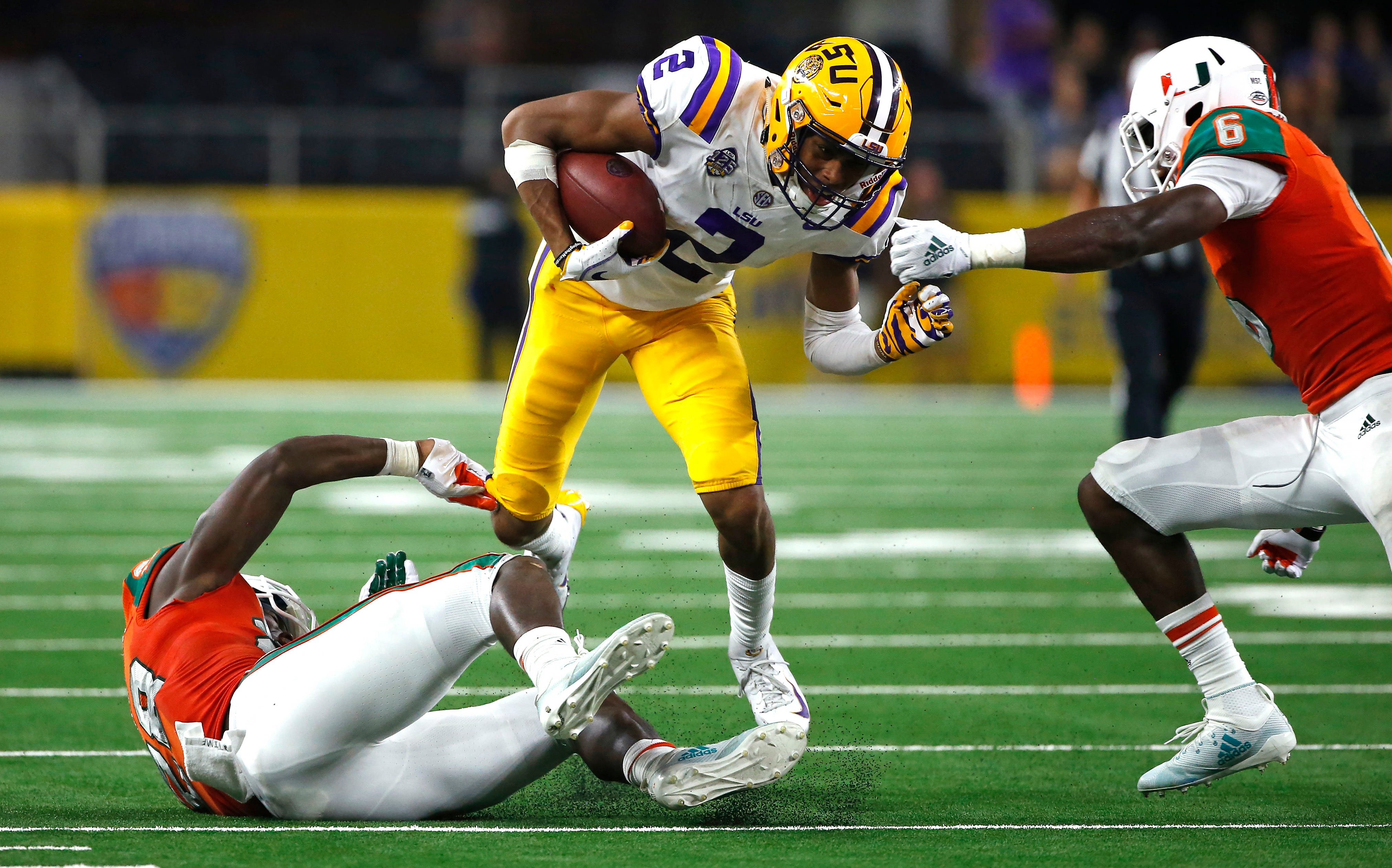 No. 25 LSU off and running with 33-17 win over No. 8 Miami