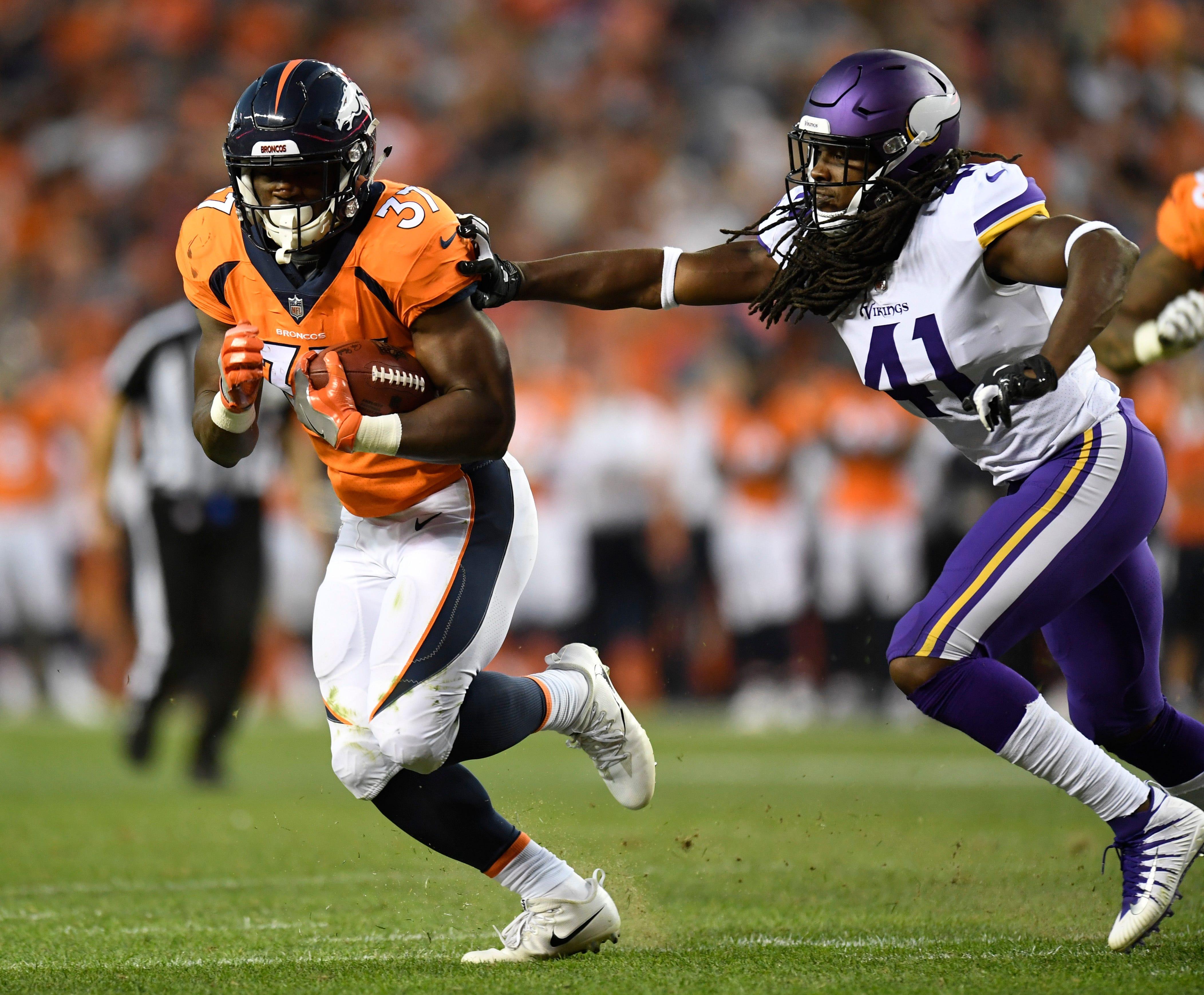 Broncos make rookie Royce Freeman starting running back