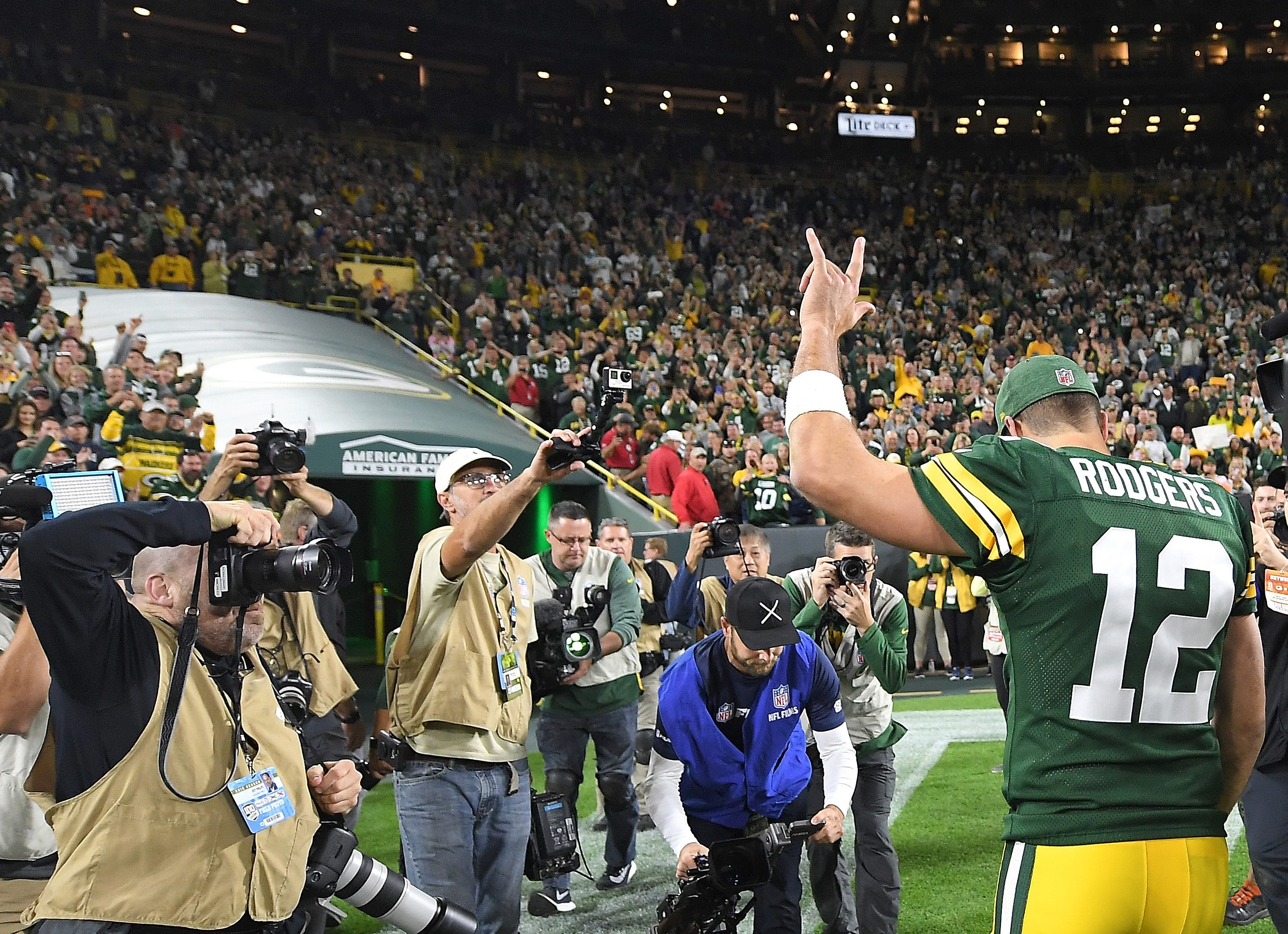 7c218687b90 Aaron Rodgers completes Packers  wild comeback vs. Bears after returning  from injury
