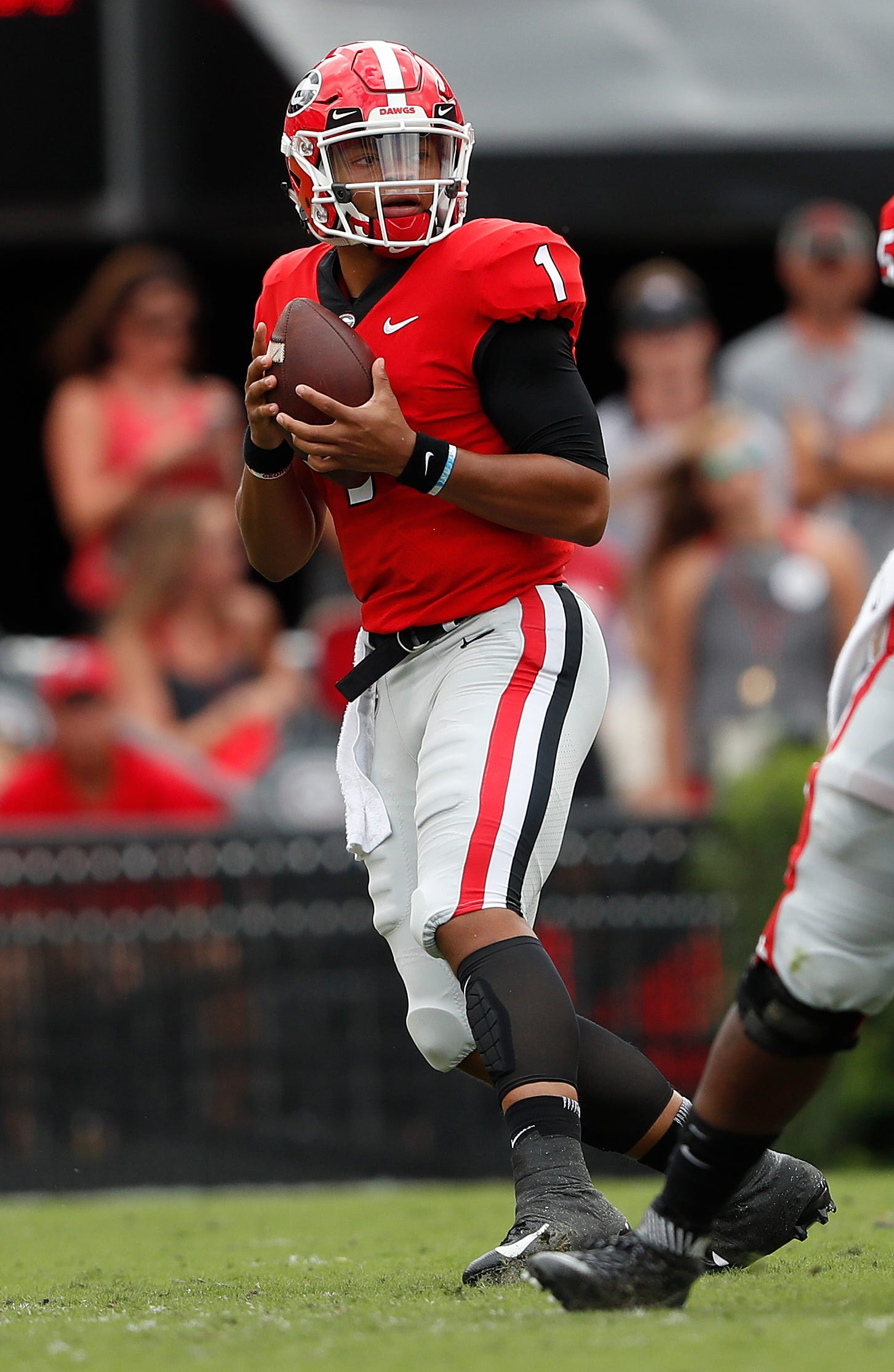 Fromm leads No. 3 Georgia past Middle Tennessee 49-7