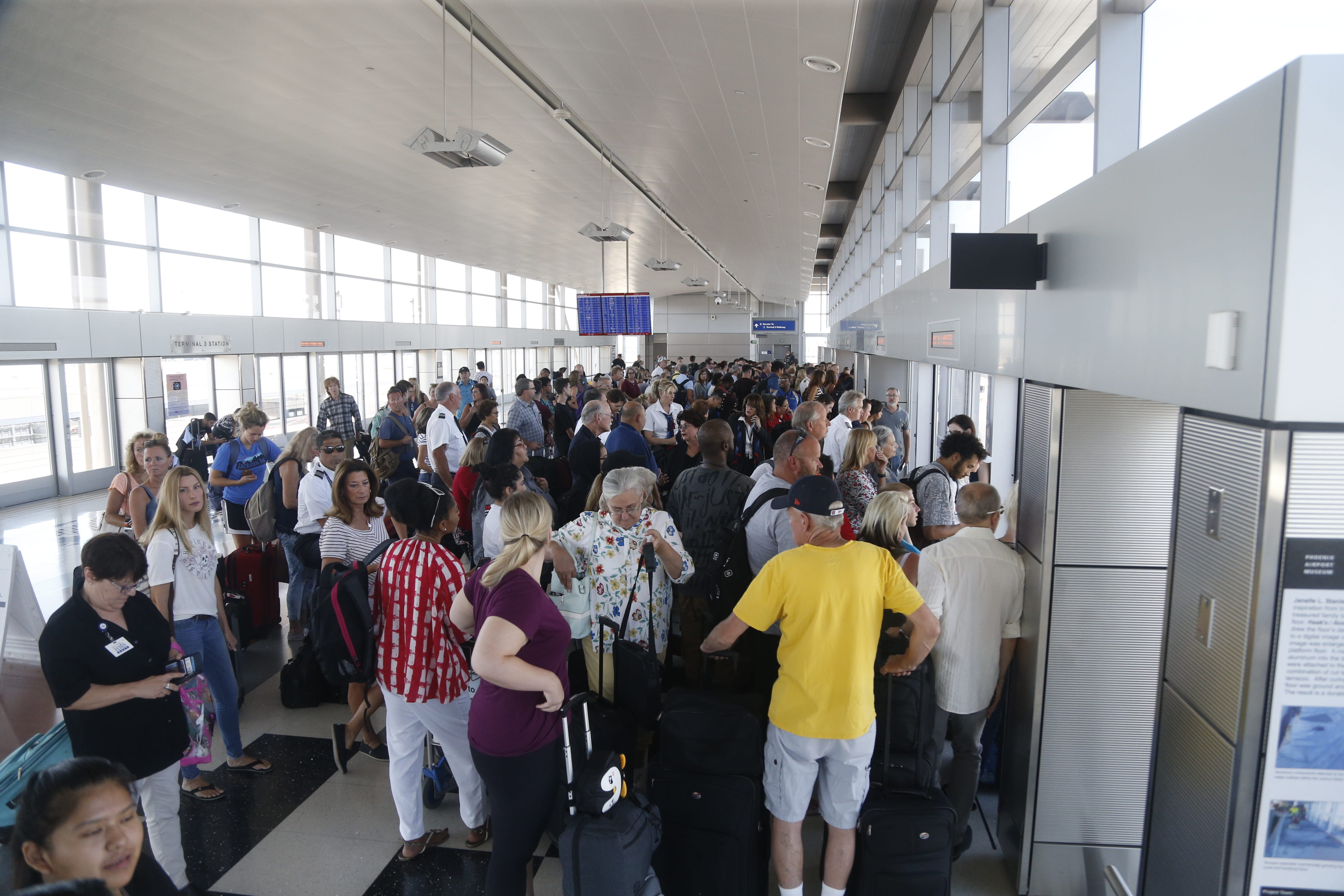 'Idiotic mistake': How one parked car delayed hundreds of Phoenix flights   USA Today