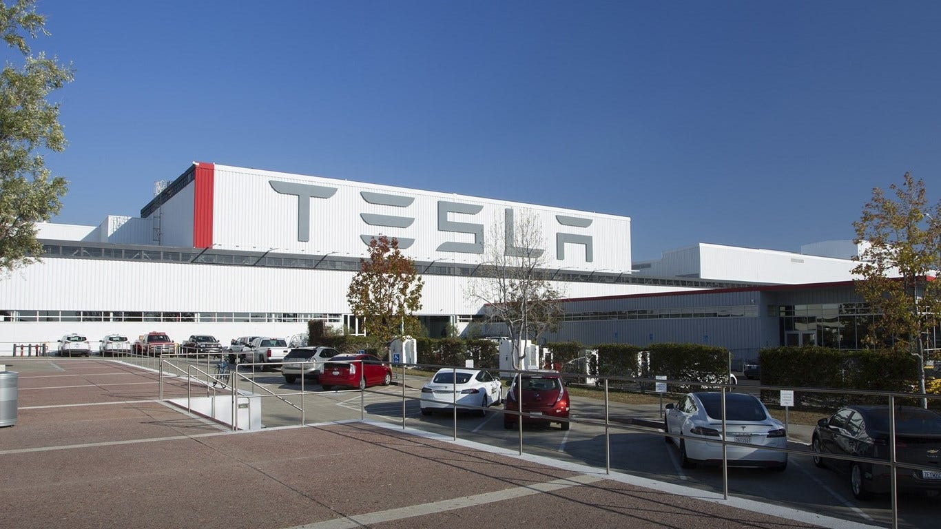 A victory for Elon Musk: Tesla outsells Mercedes-Benz in US for first time ever