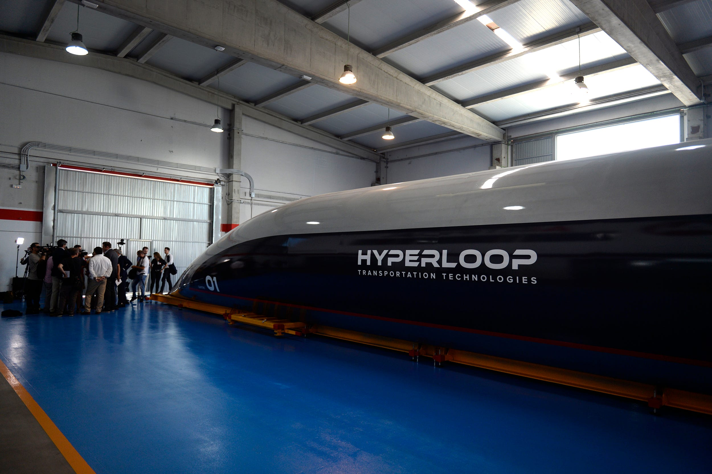 The Hyperloop train from Ilona Mask became reality 45