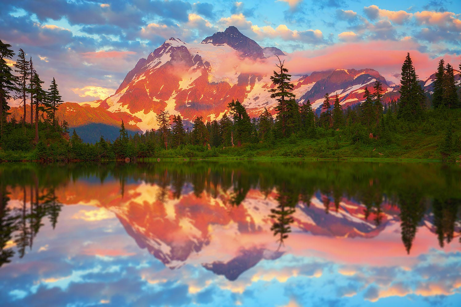 North Cascades National Park has some of the best views in the Pacific Northwest