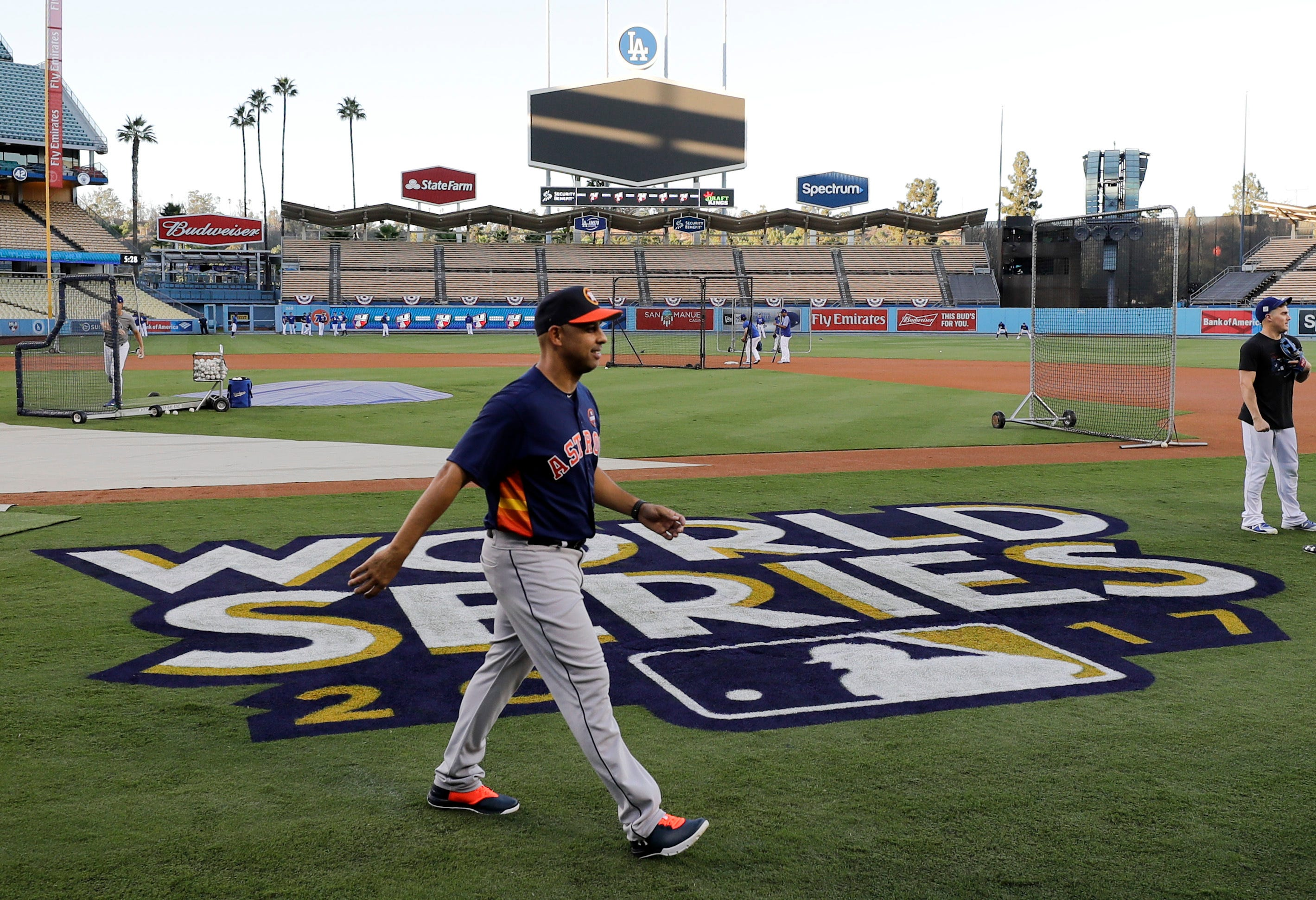 After Series win with Astros, Cora aims to knock them out