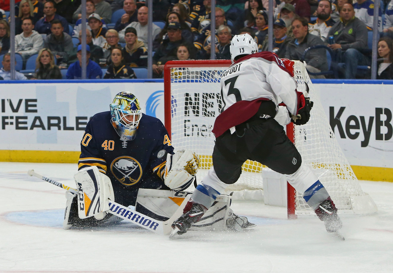 MacKinnon ups goal streak to 4, Avalanche beat Sabres 6-1