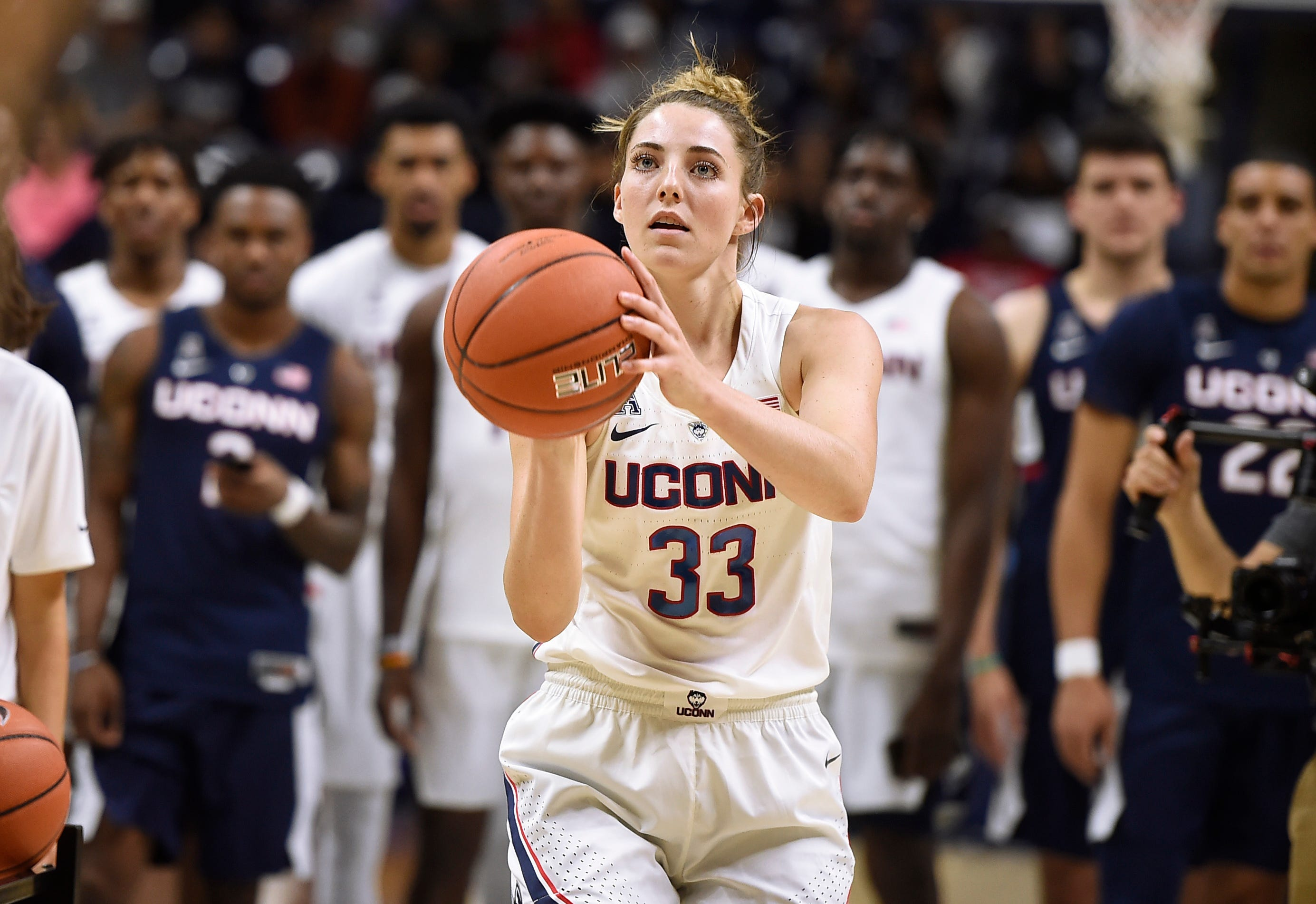 UConn unofficially opens basketball season with First Night
