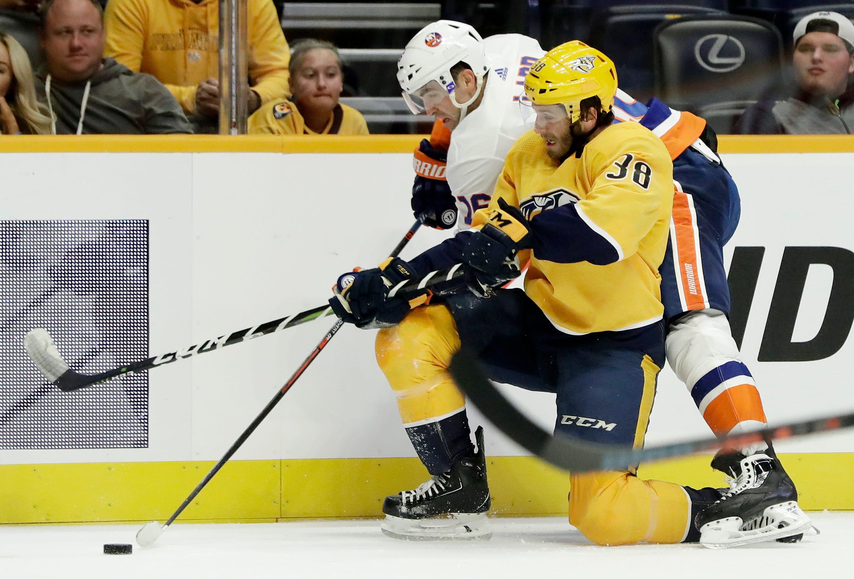 Forsberg, Arvidsson lead Predators to 5-2 win over Islanders