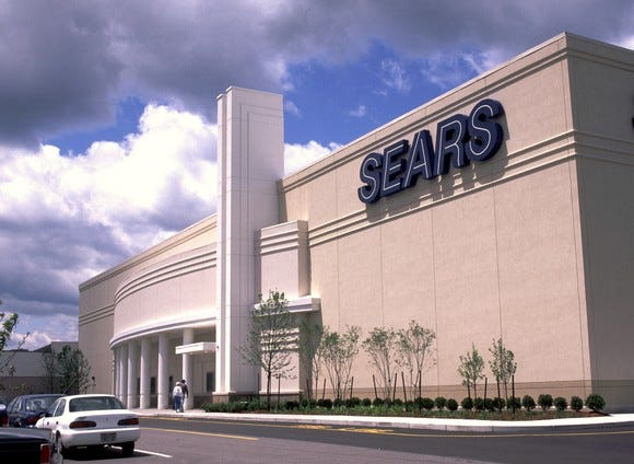 Plan for a smaller Sears begins to emerge in bankruptcy court