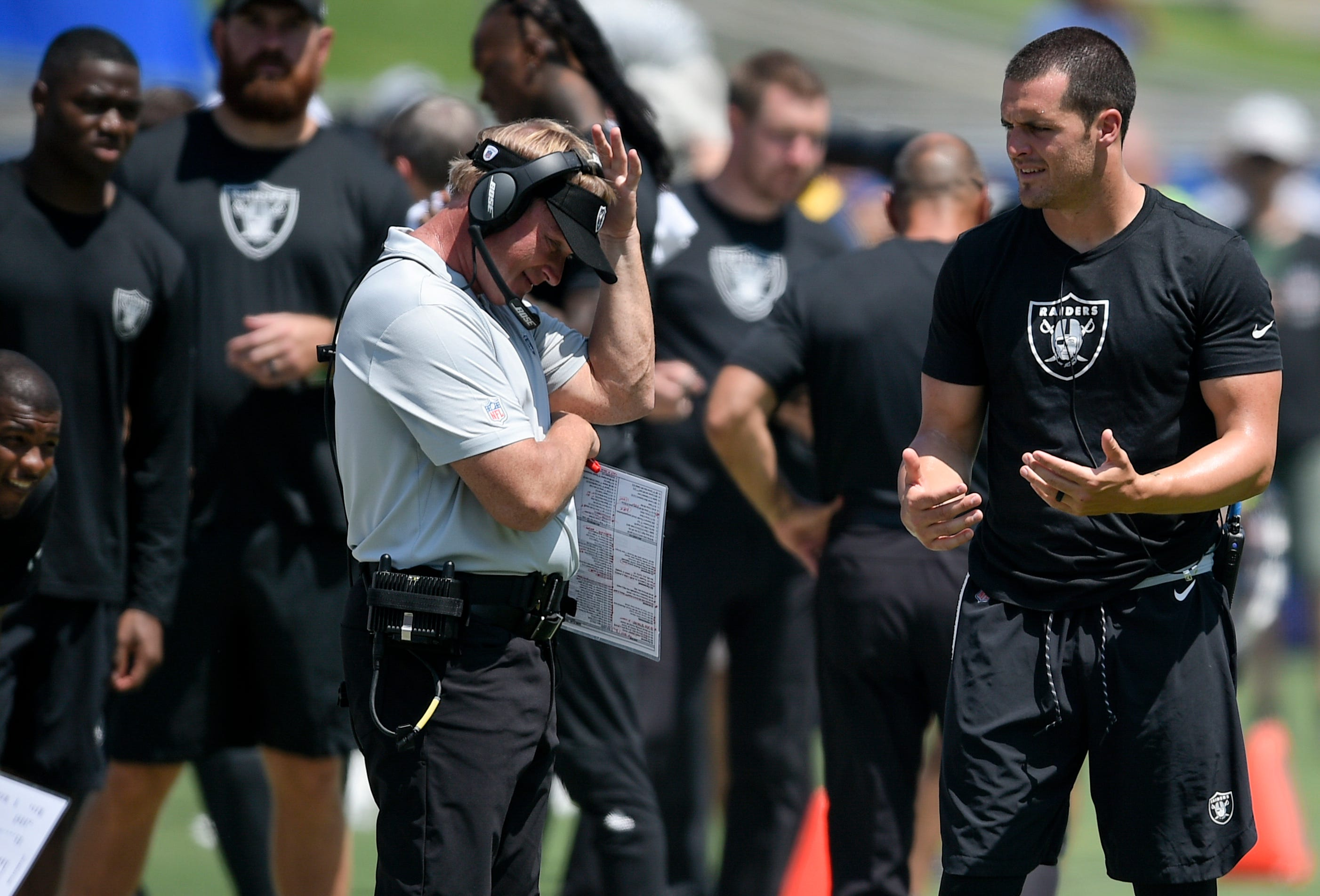 Derek Carr's struggles mirror Raiders woes past 2 years