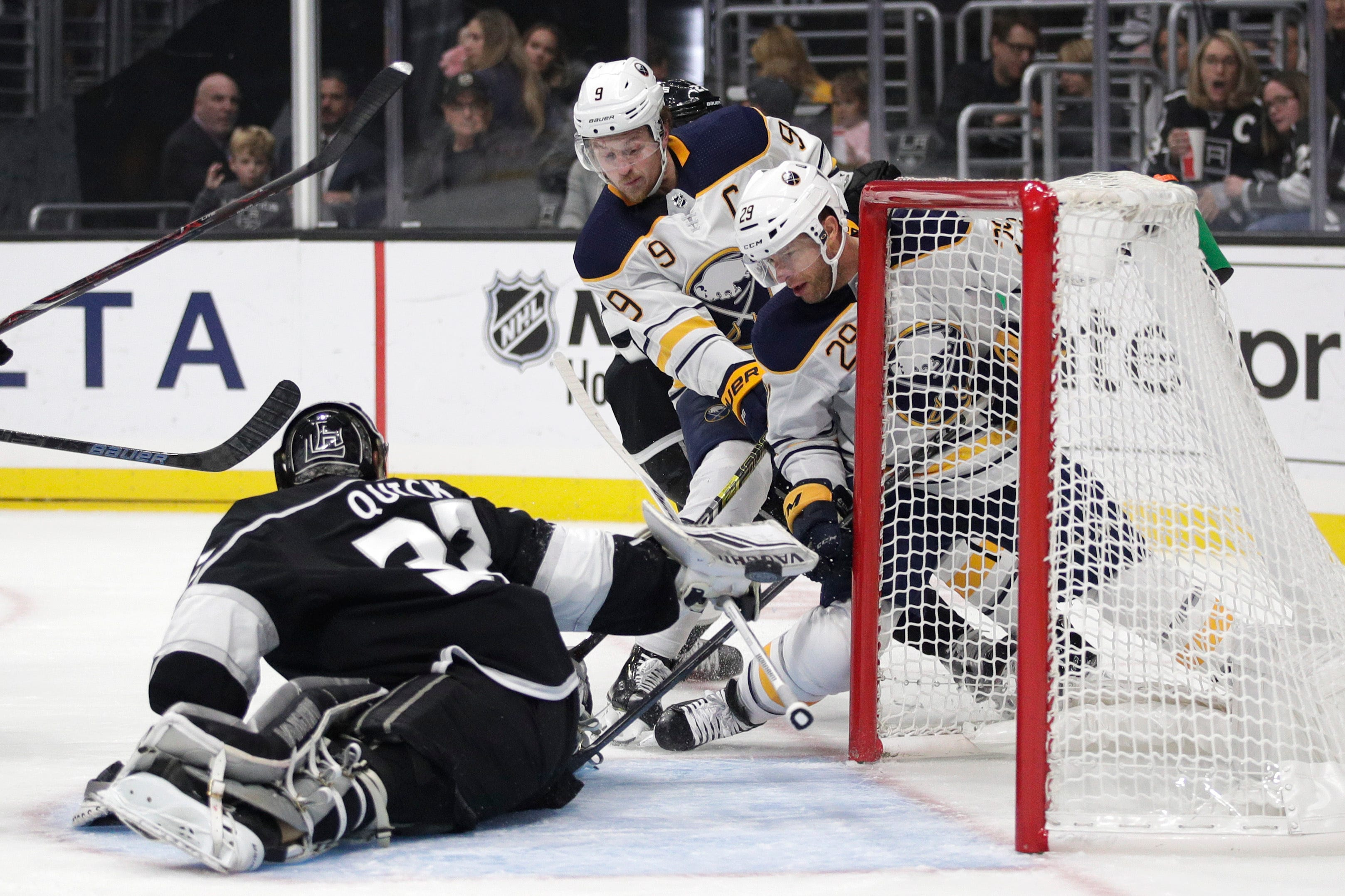Skinner scores 3 to lead Sabres to 5-1 win over Kings