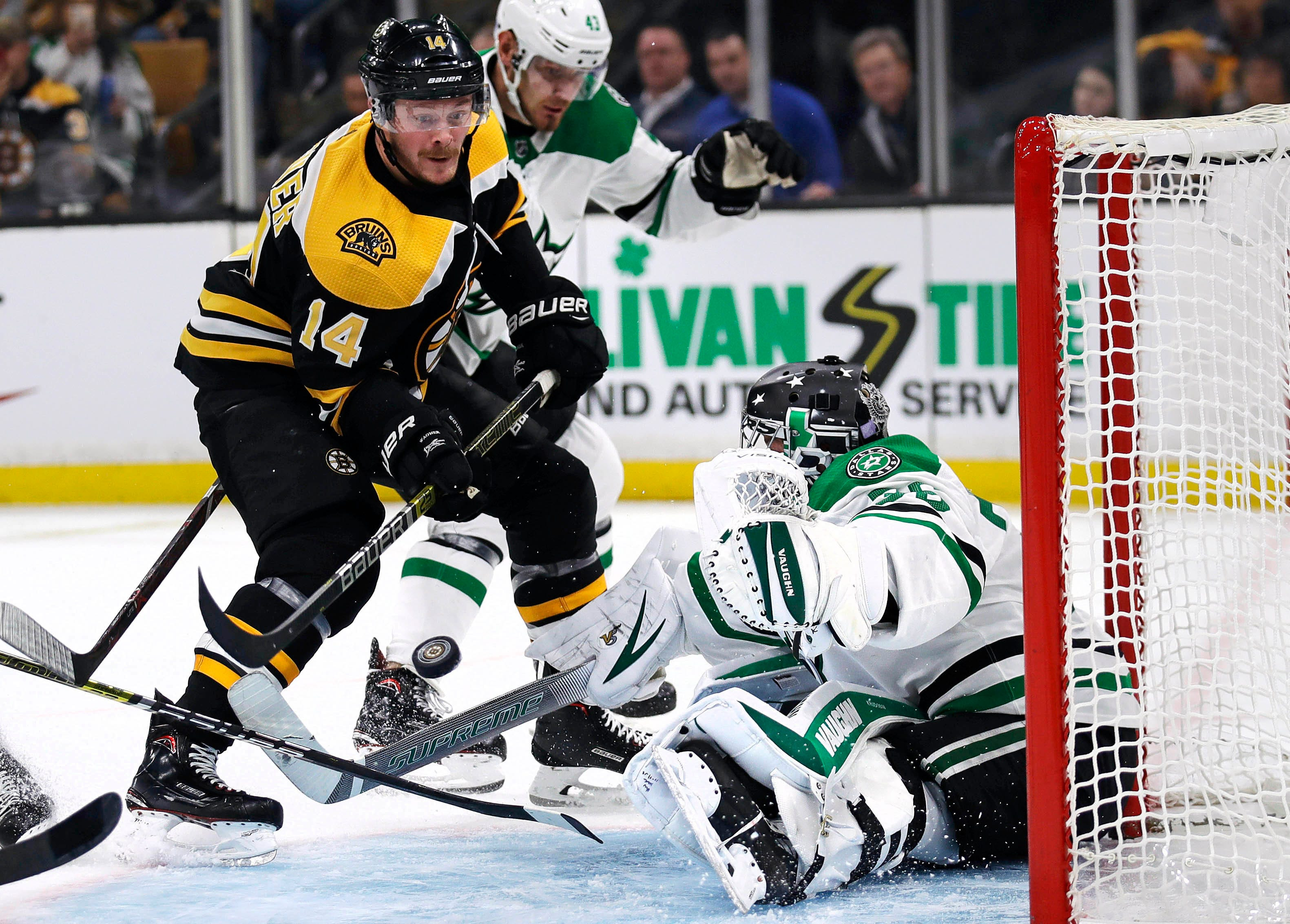 Marchand scores in OT to lift Bruins over Stars 2-1