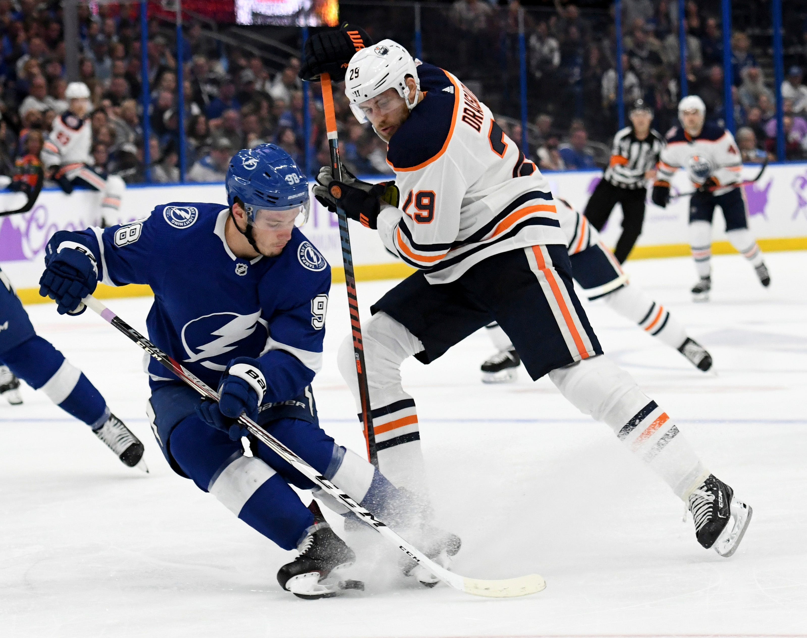 Kucherov, Vasilevskiy help Lightning beat Oilers 5-2