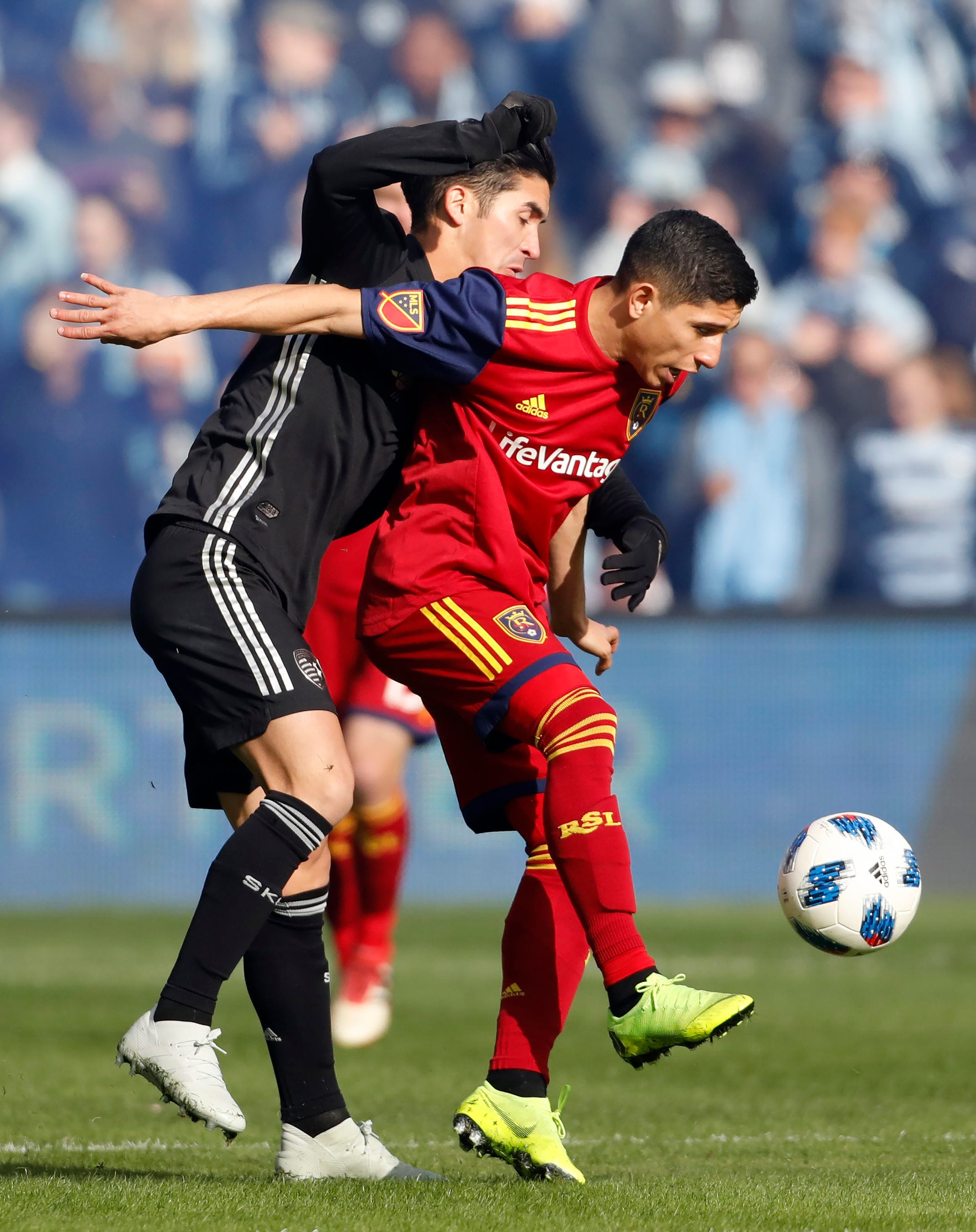 Sporting KC advances to face Portland in conference finals