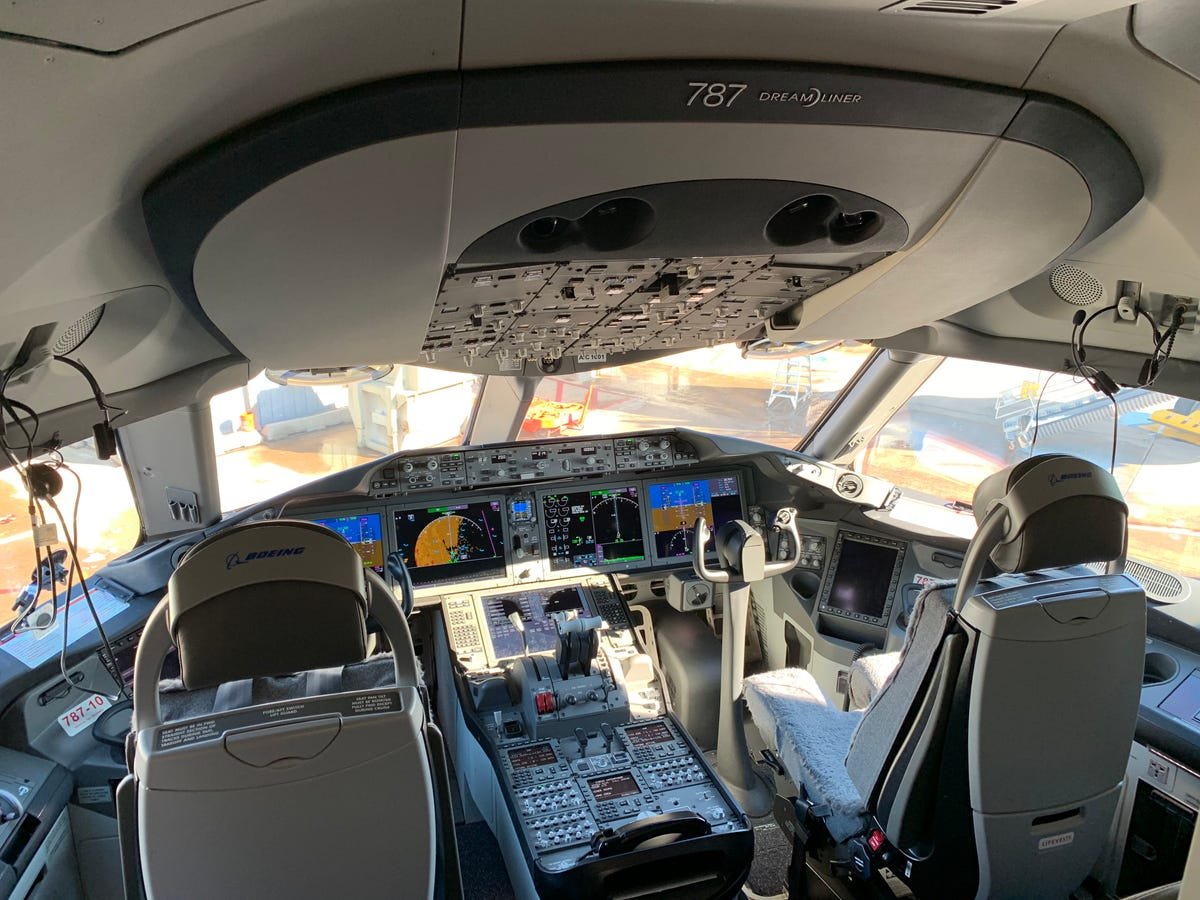 Plane cockpits: Are all those buttons really necessary?