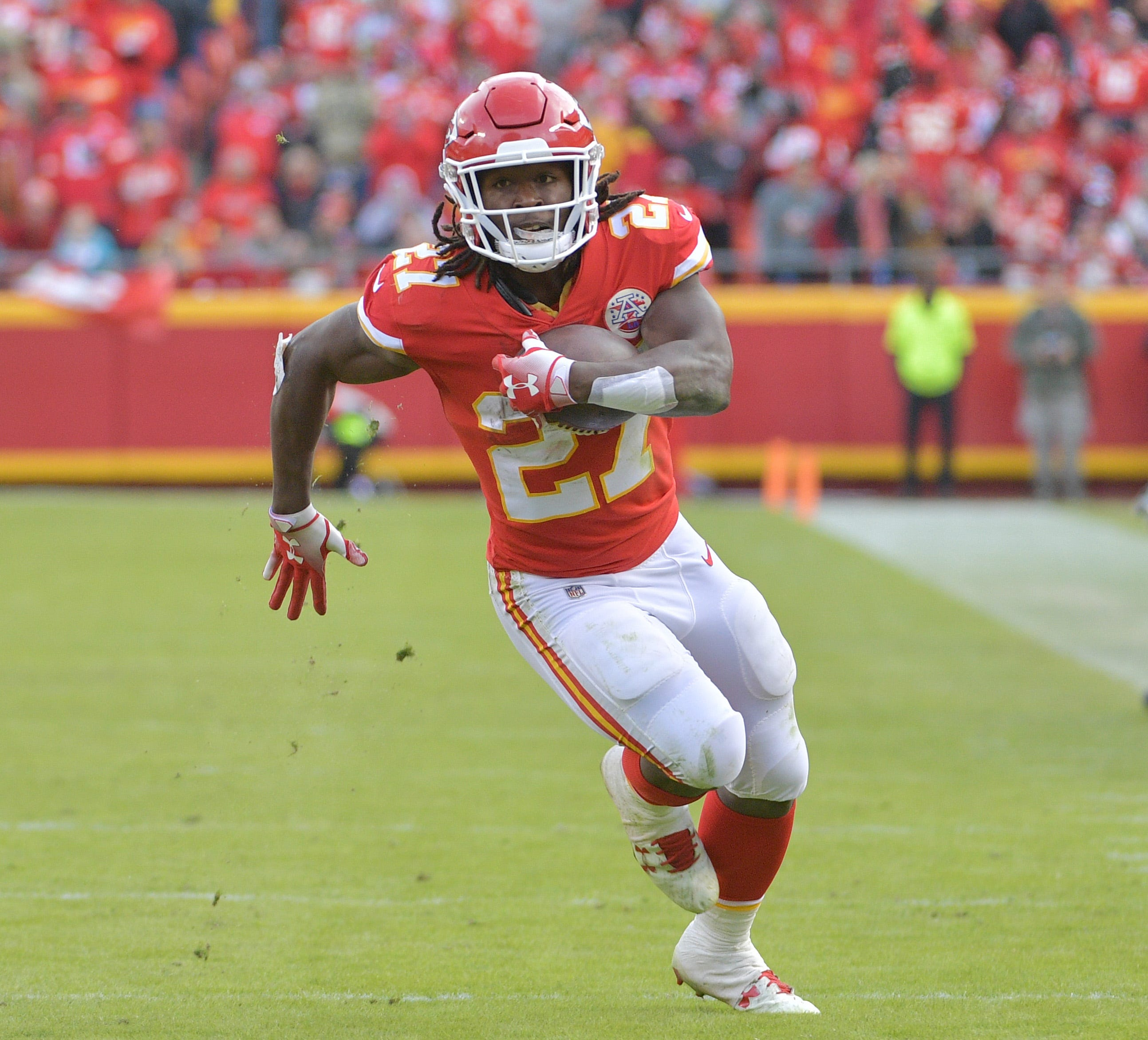 Police spokesperson: No one in department watched security video of Kareem Hunt incident