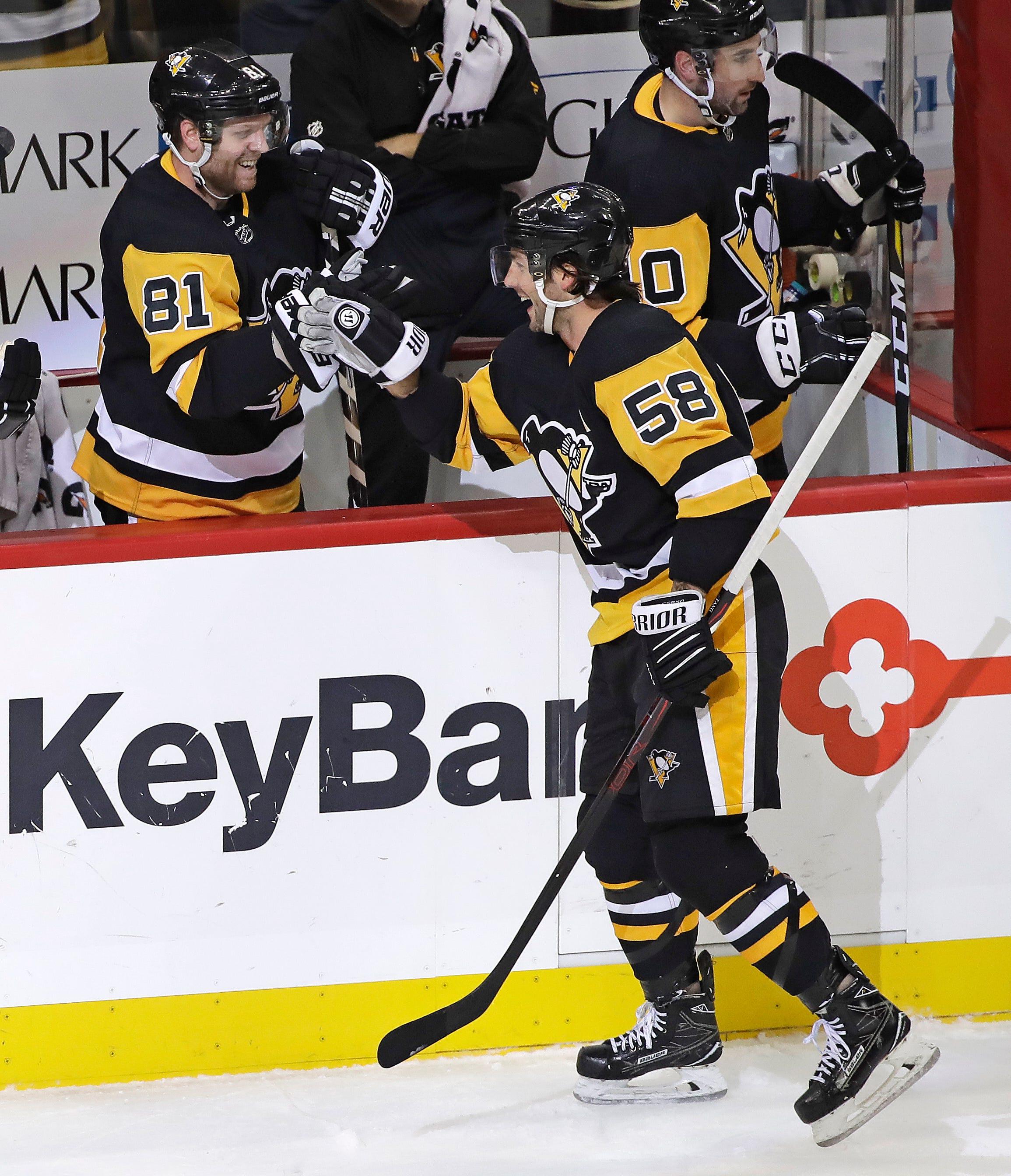 Kessel, Letang score twice, lead Pens past Islanders