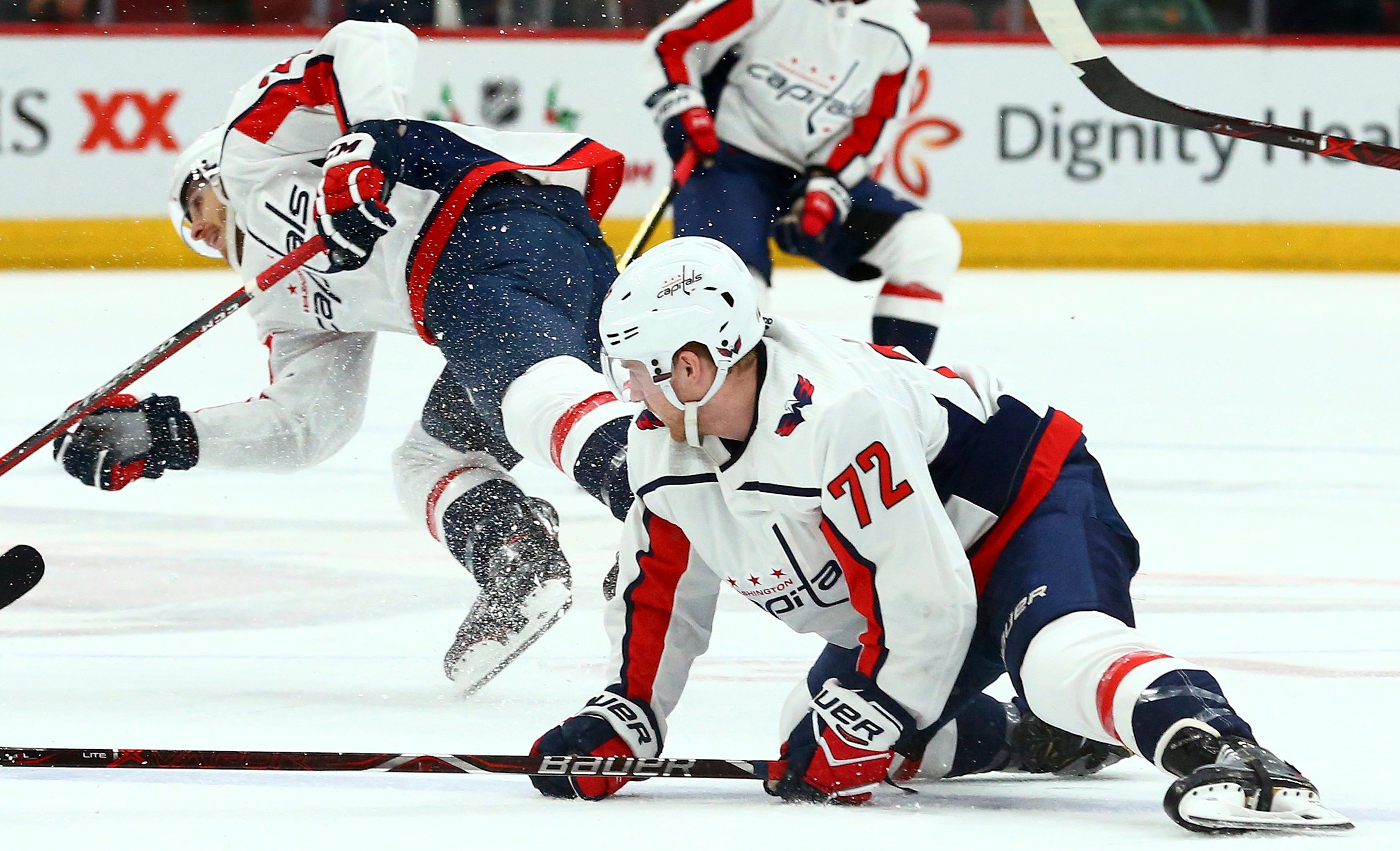 Burakovsky's goal sends Capitals to 4-2 win over Coyotes