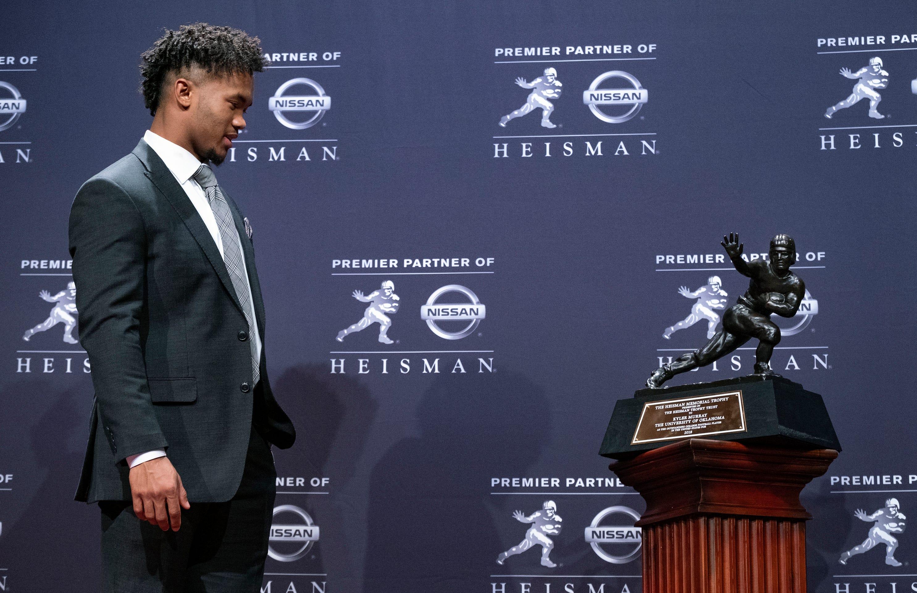 Oklahoma's Murray beats Alabama's Tagovailoa for Heisman