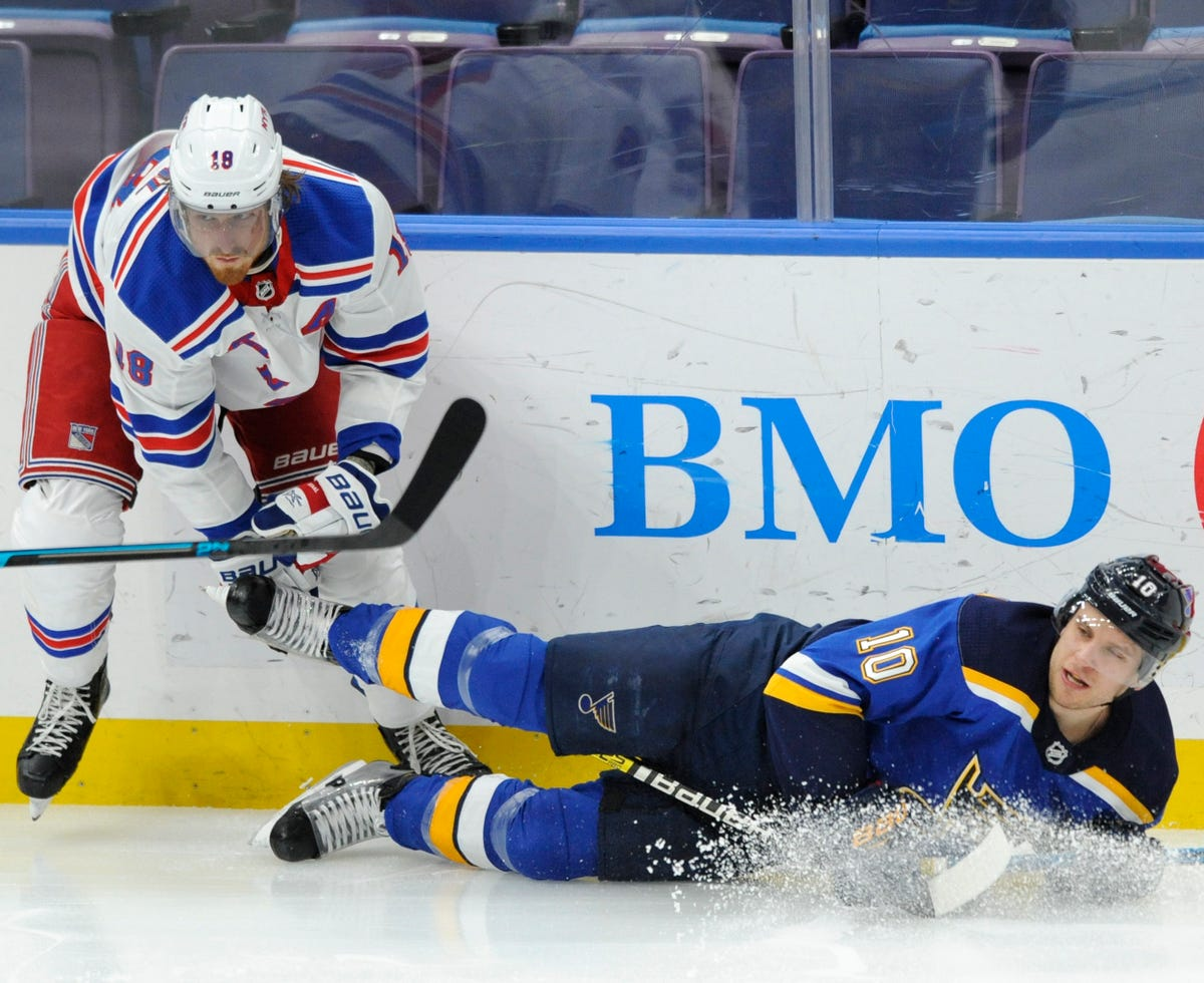 Lundqvist Makes 39 Saves Rangers Beat Blues 2 1