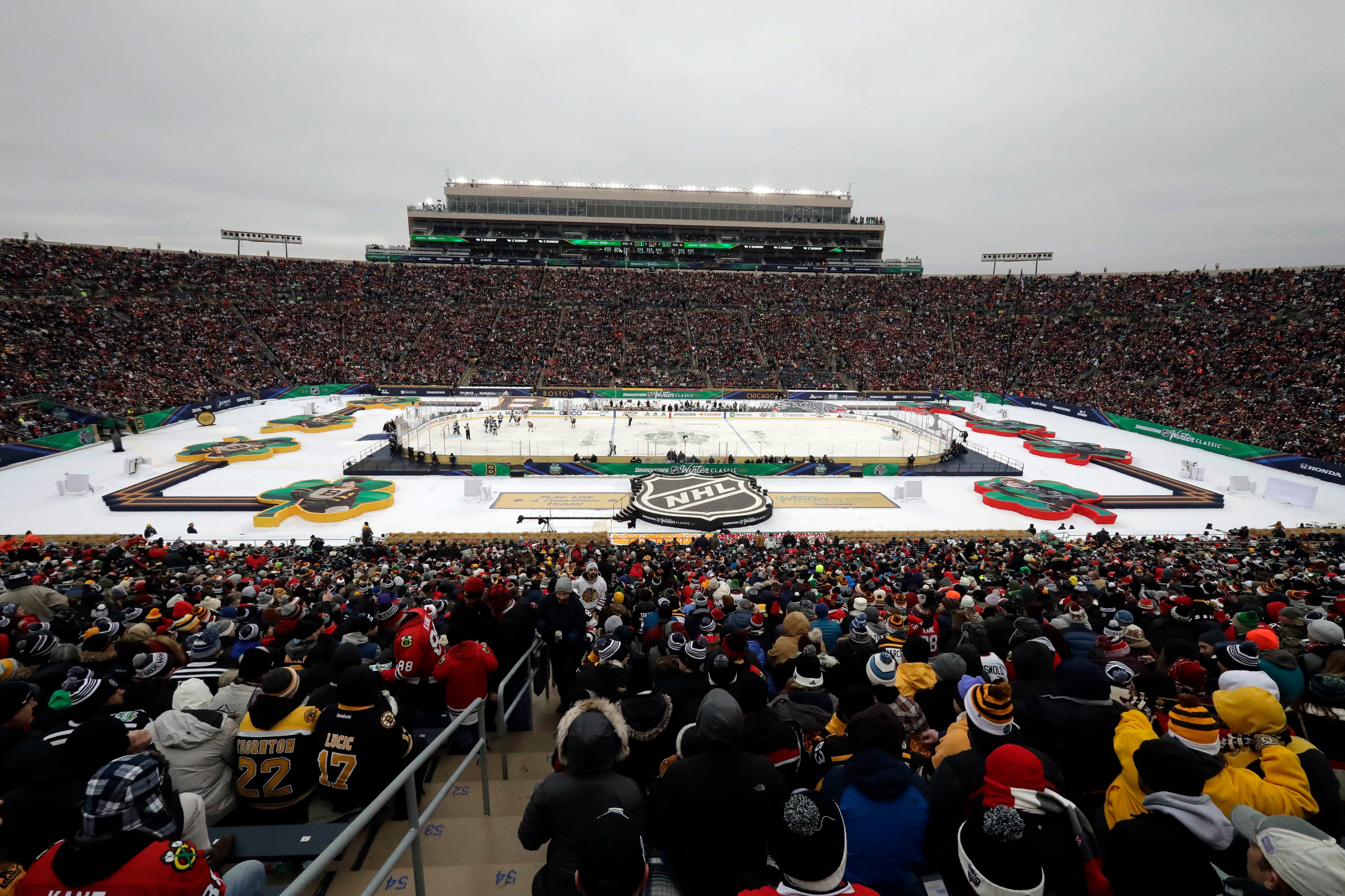 Pastrnak, Bruins beat Blackhawks 4-2 in Winter Classic