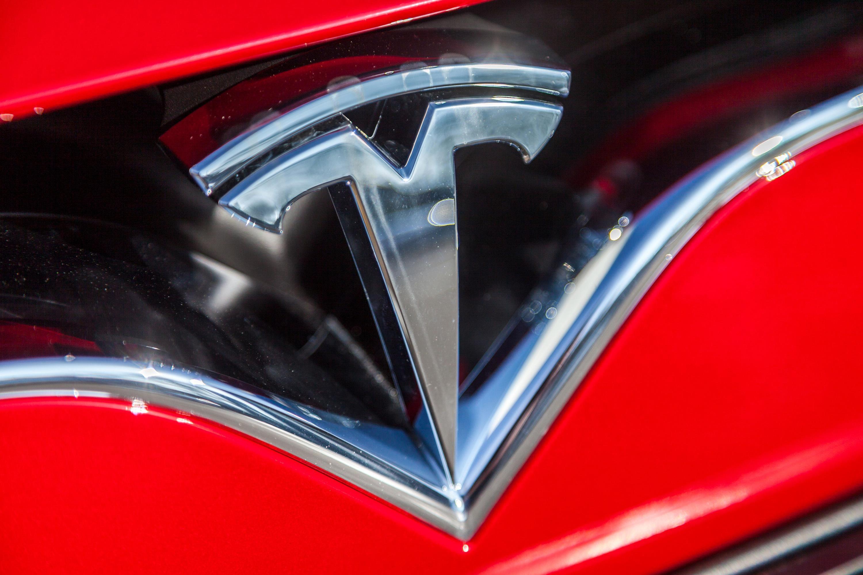 Tesla executive turnover causes concern among investors