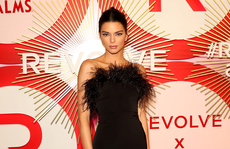 Kendall Jenner's 'brave' announcement of having acne underwhelms Twitter