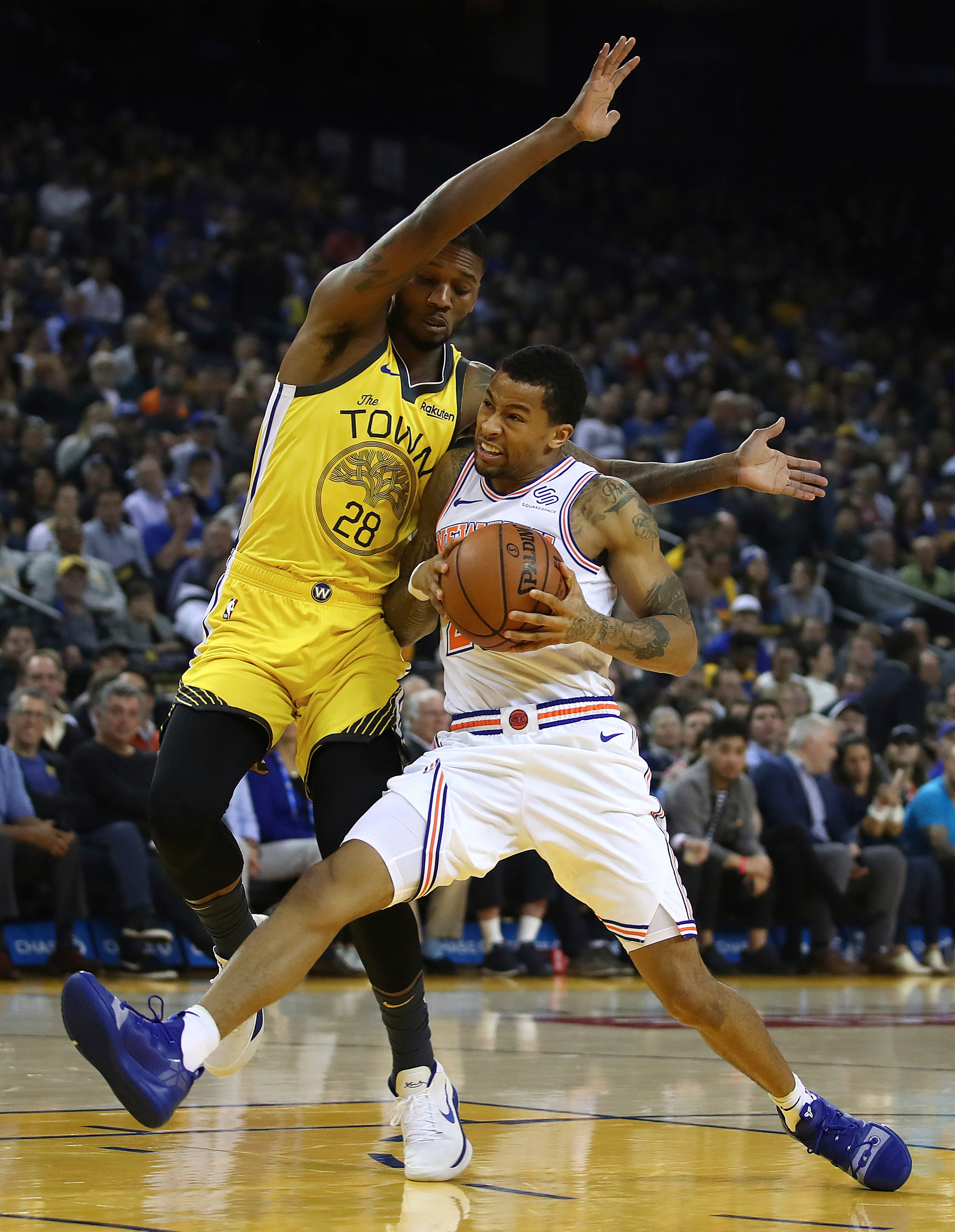 Thompson scores 43, Warriors beat Knicks to snap home skid