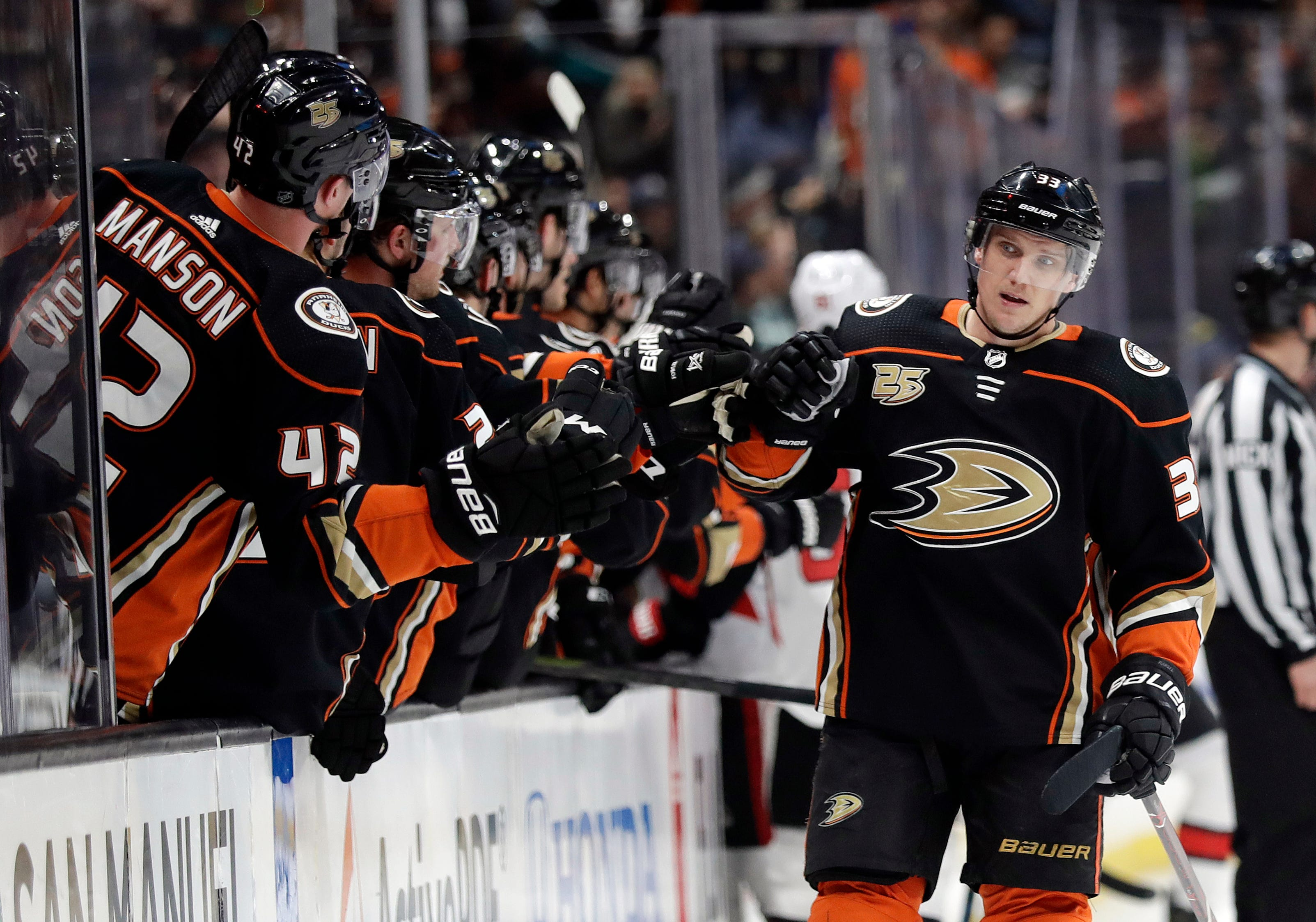 Senators snap 8-game skid with 2-1 win over Ducks in OT