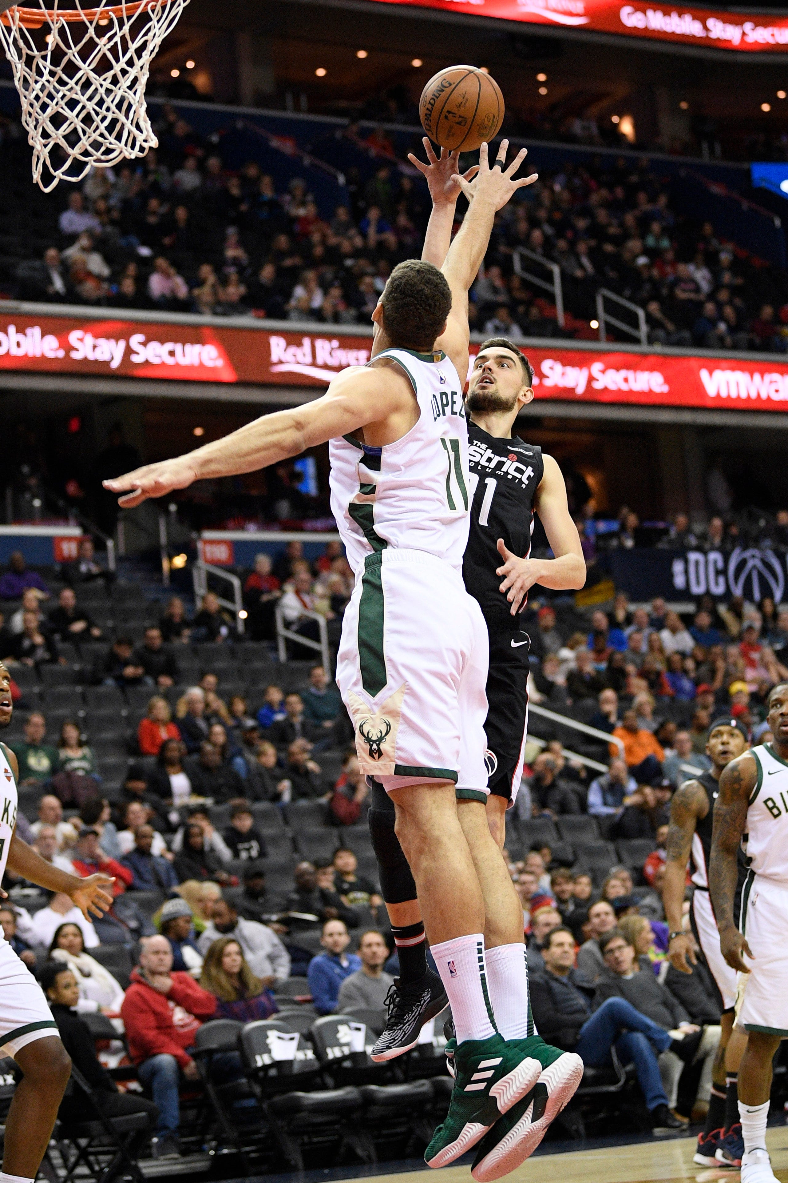 Beal scores 32, Wizards top Giannis-less Bucks 113-106