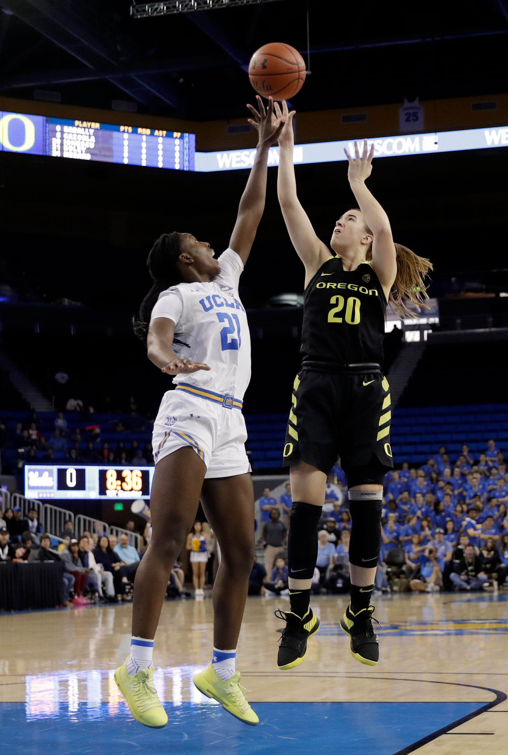 No. 5 Oregon women rout UCLA 72-52 with dominant 4th quarter