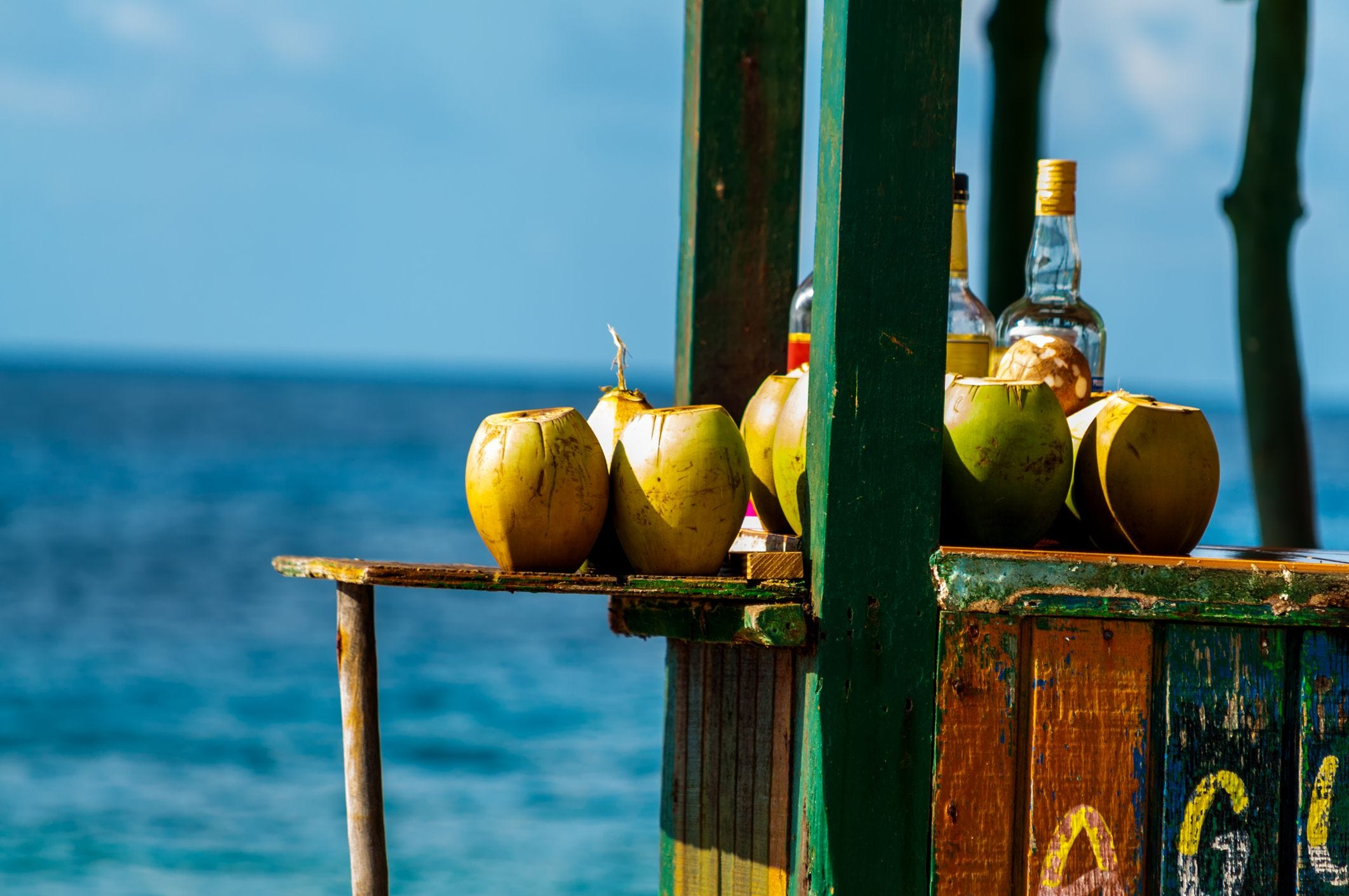 Enjoy these 10 tropical cocktails at the spots where they were invented