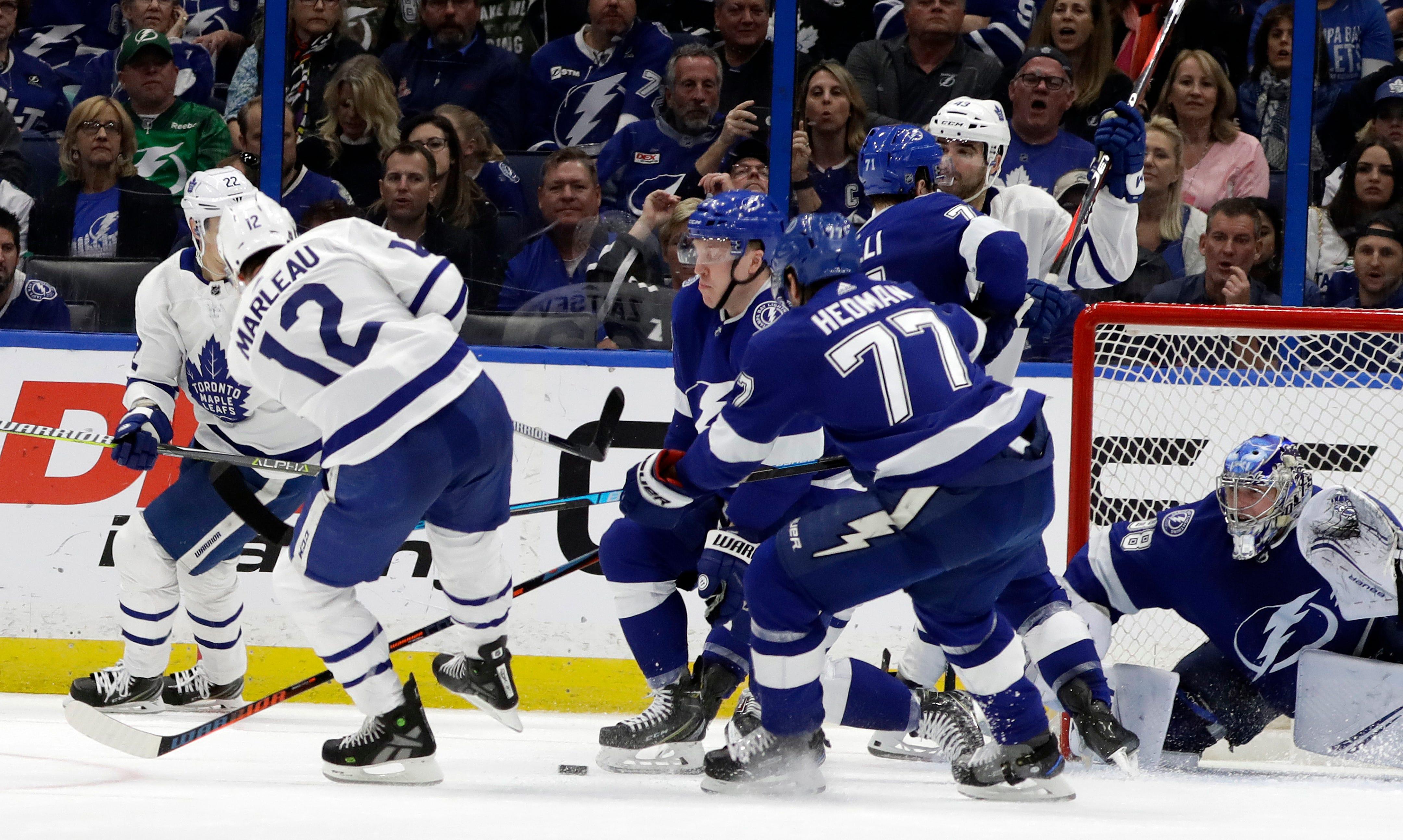 Maple Leafs beat NHL-leading Lightning 4-2
