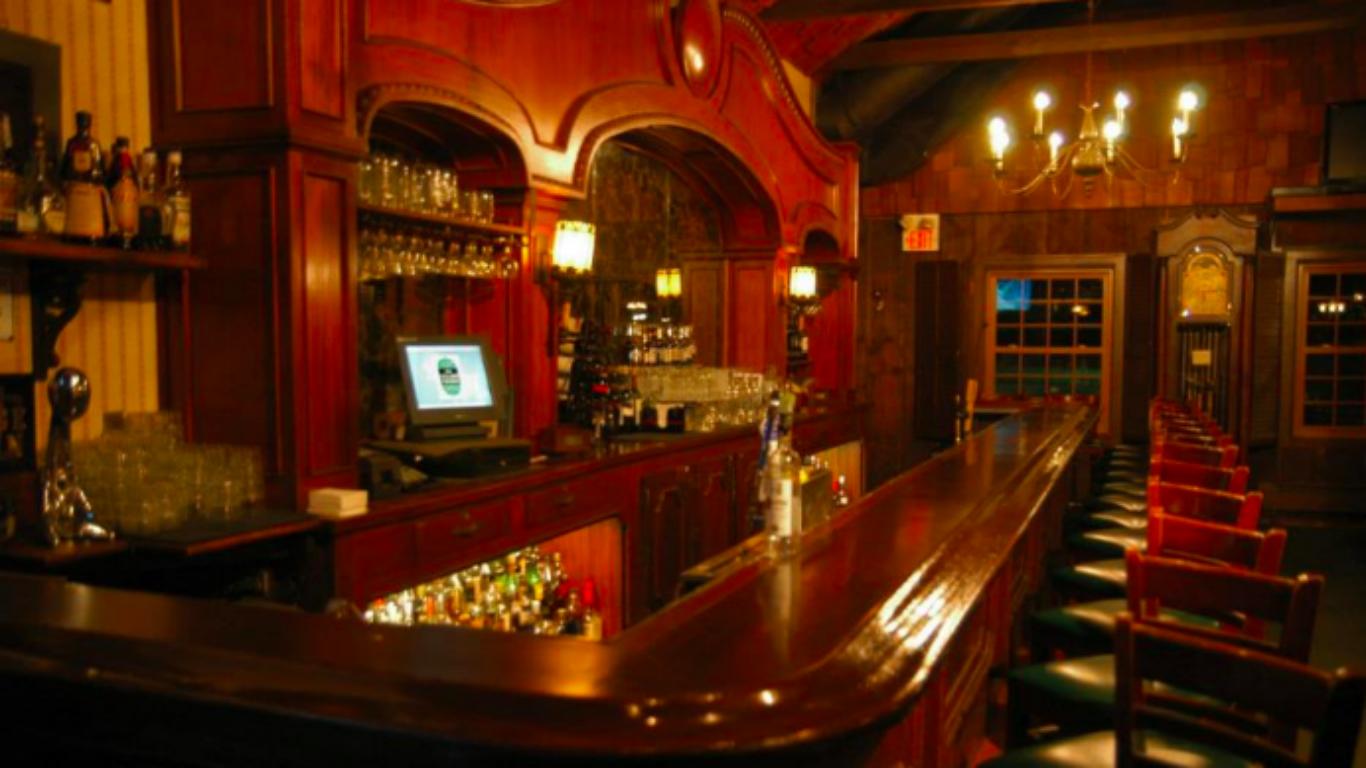 Village Tavern Long Grove Png